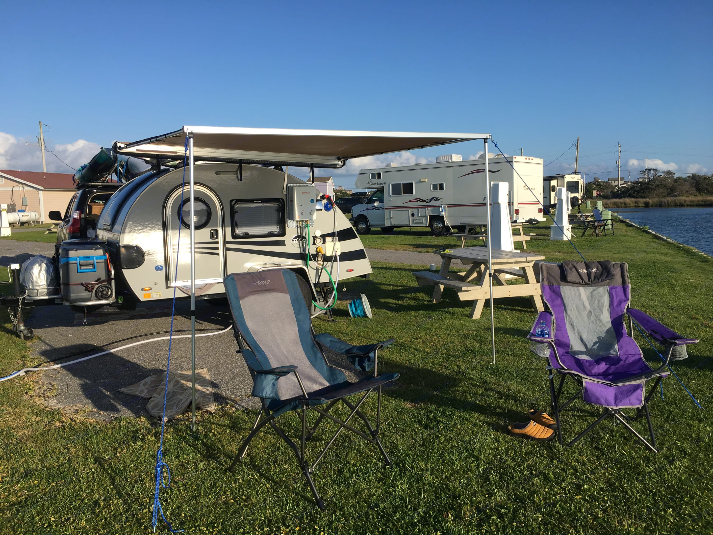 Forget the tent! Arrive at your site, pop up the awning, and you are ready to enjoy the great outdoors.. Pleasant Valley TAG XL 2018