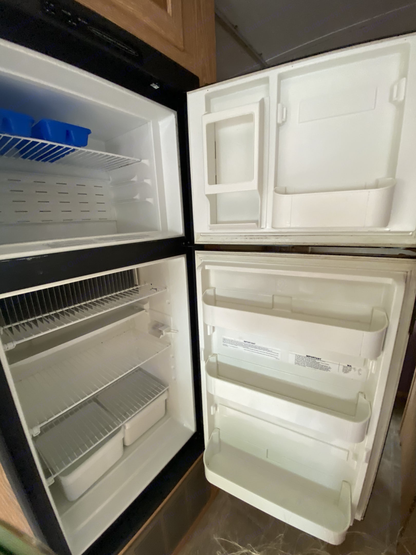 Small shelves, door shelving, and vegetable drawers.  Think hotel sized refrigerator space.. Forest River Sunseeker 2005