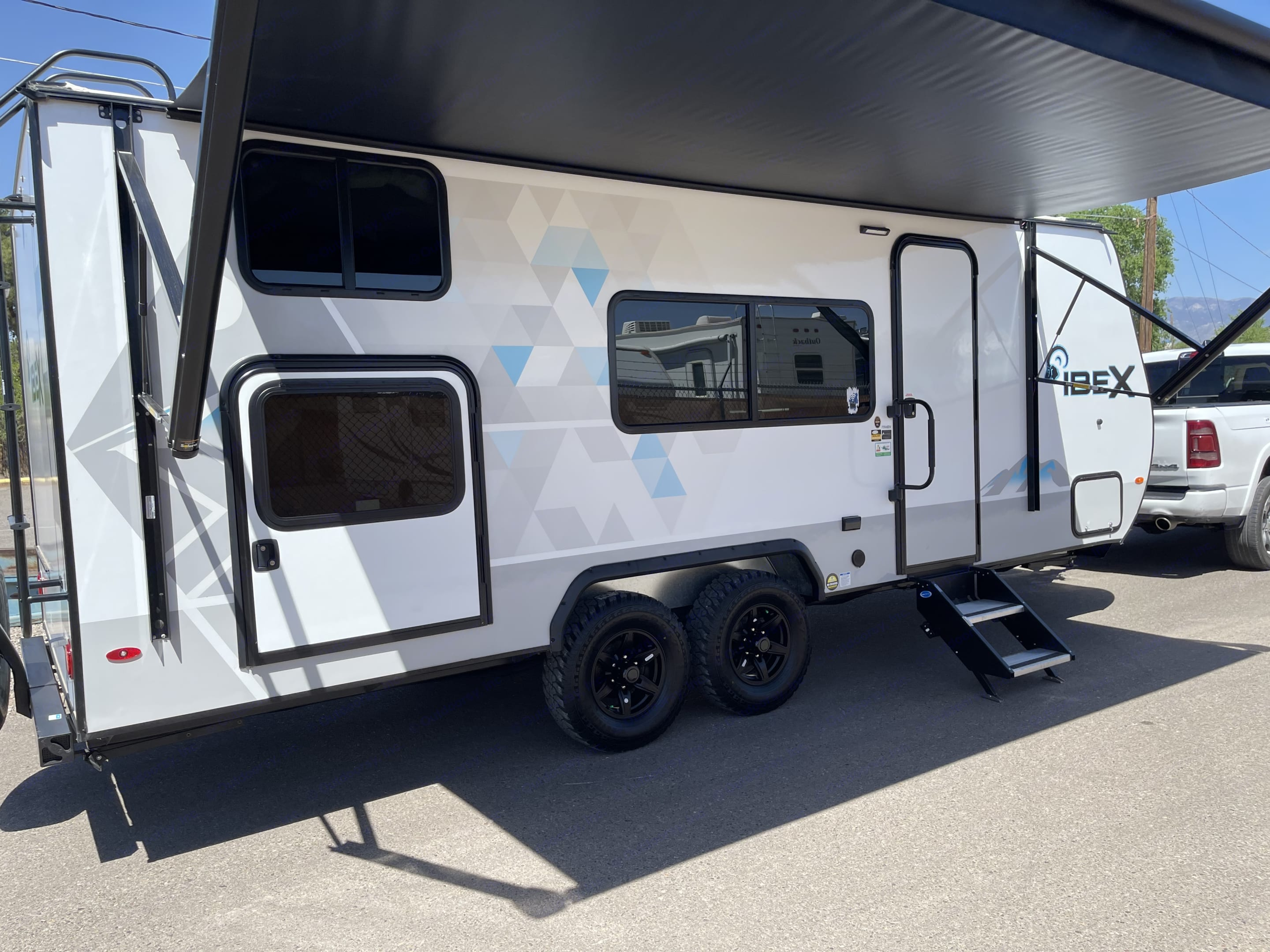 HUGE AWNING!!. Forest River IBEX-19MBH 2021