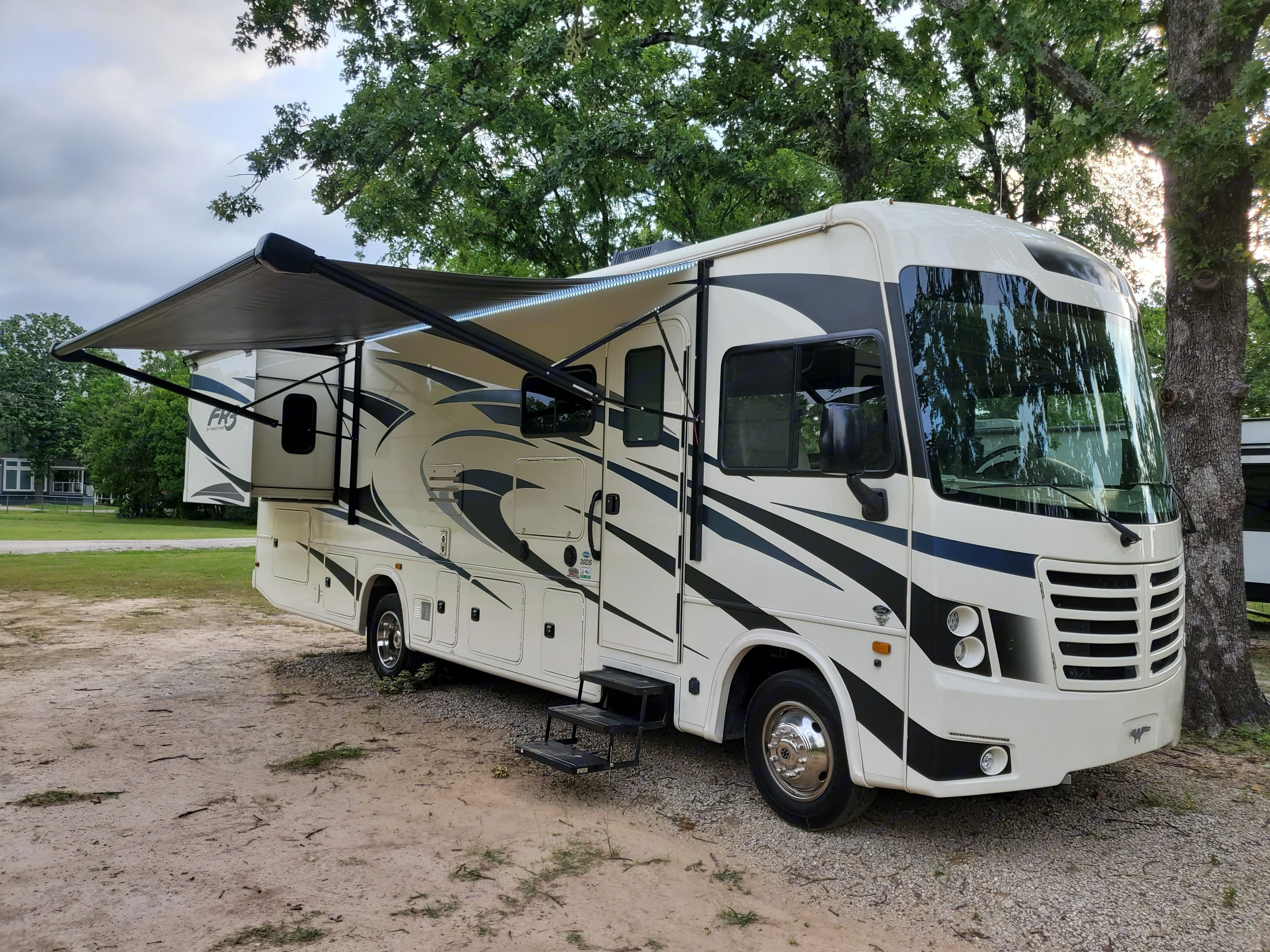 """""""Missy"""" with slide out and Awning extended. Forest River Fr3 2021"""