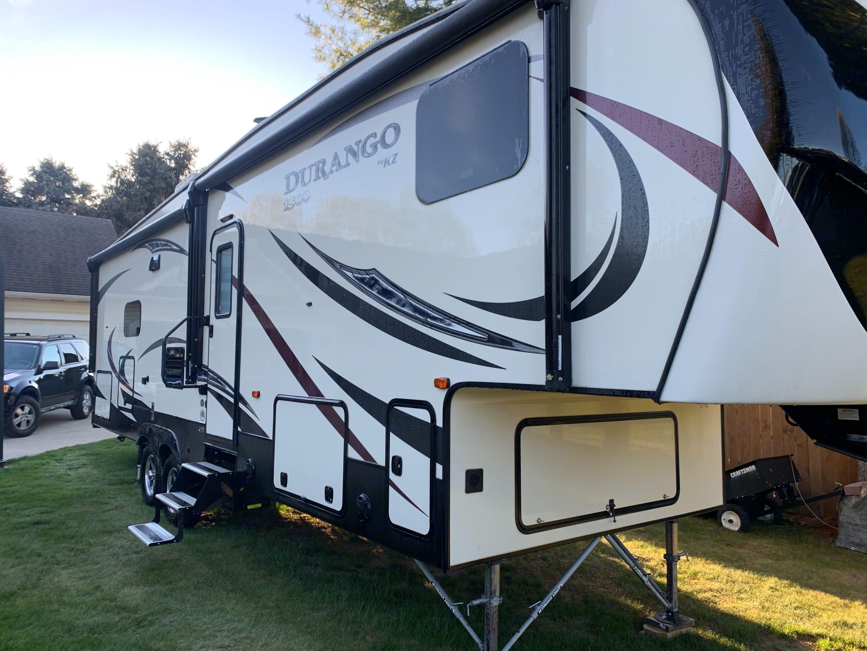 KZ Recreational Vehicles Durango 2018