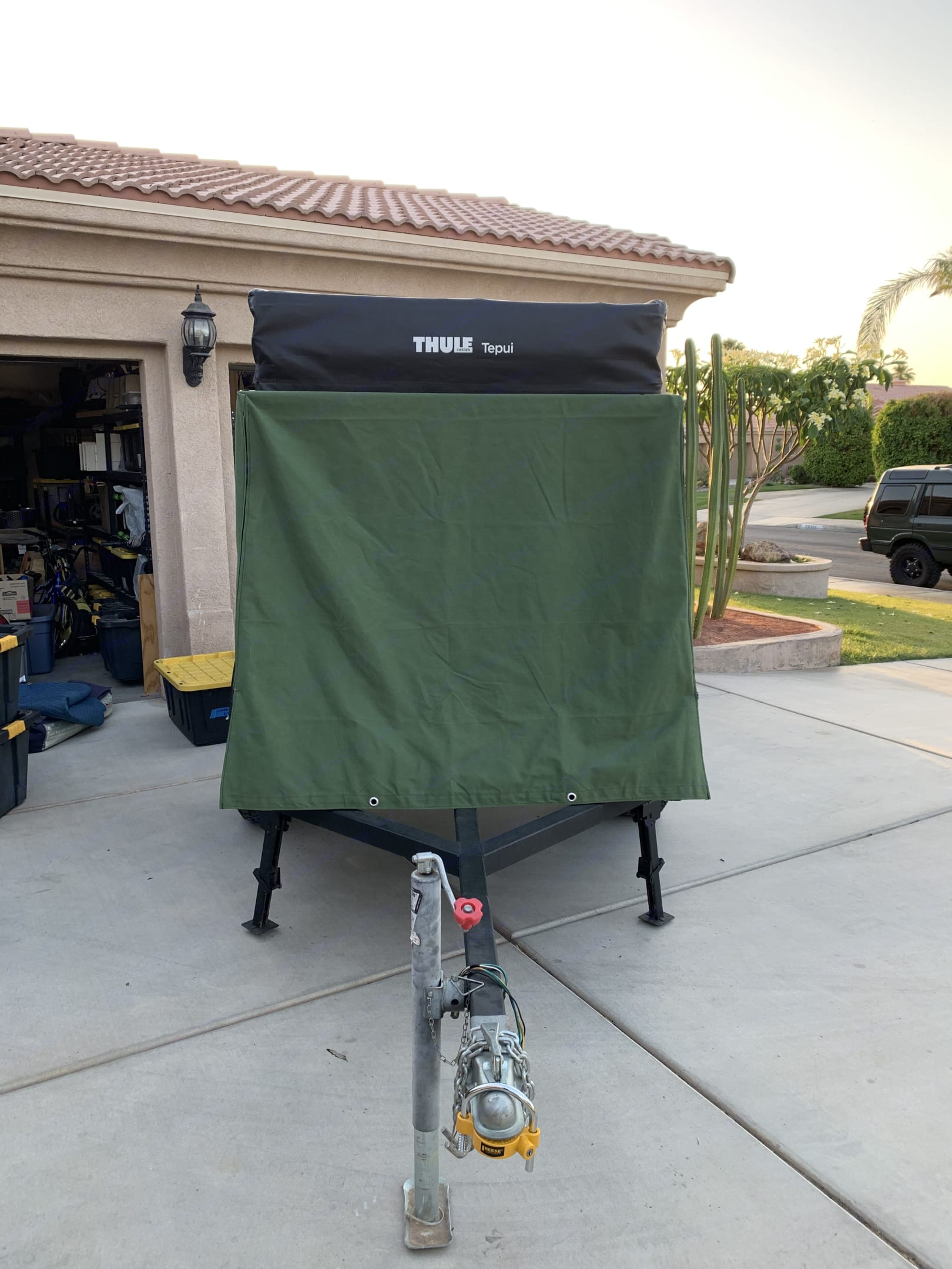 Front with canvas cover on . Tepui Rooftop Tenet Overland -Utility 2020