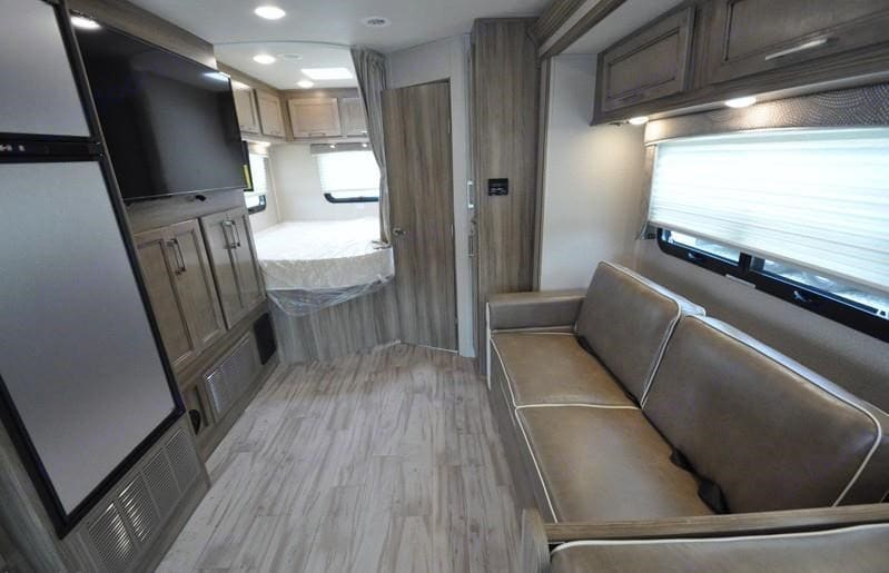 Entegra Coach Odyssey 25r 2020