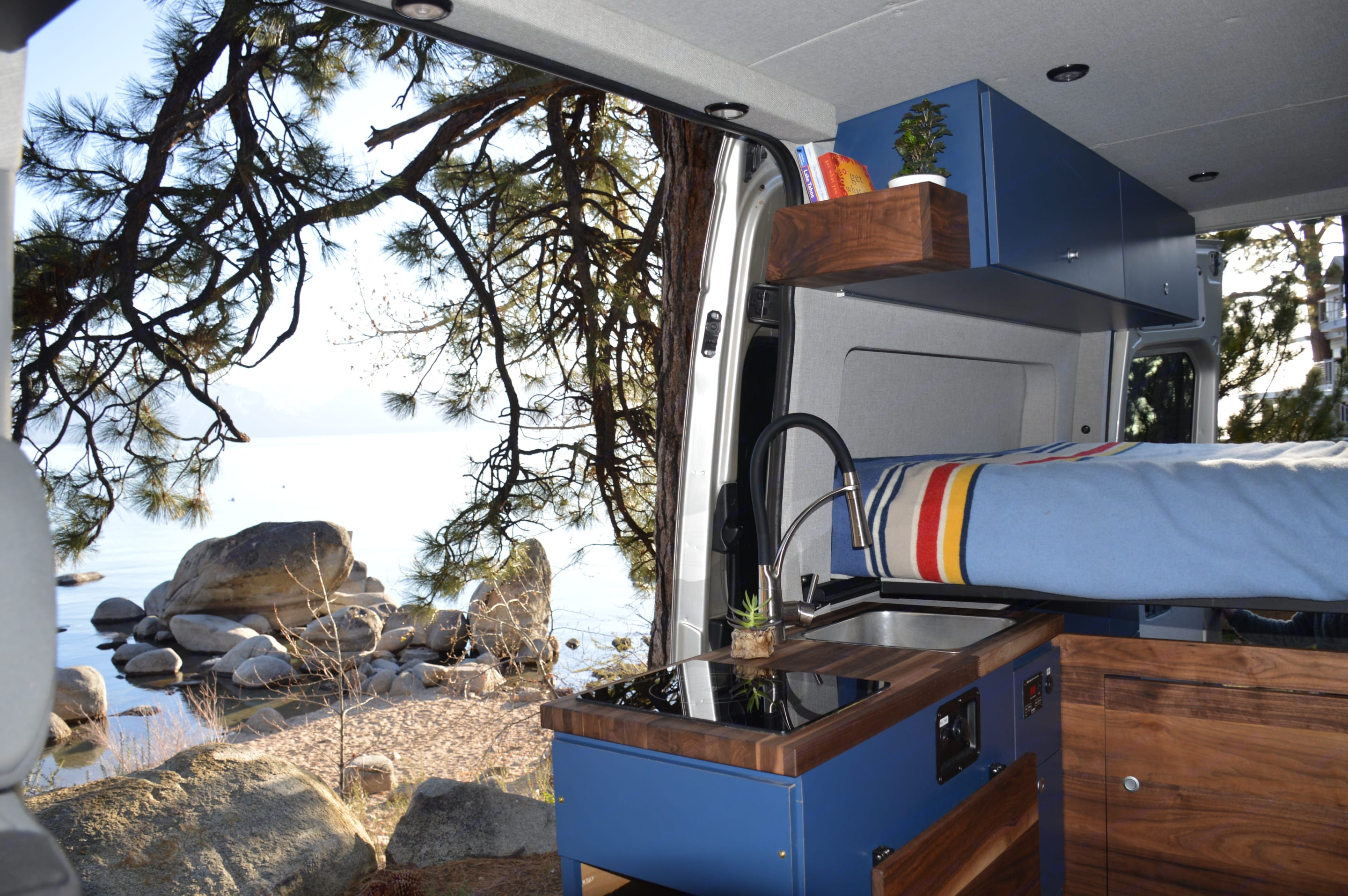 Imagine opening up the sliding door to the vacation of your dreams. . Mercedes-Benz Sprinter 2014