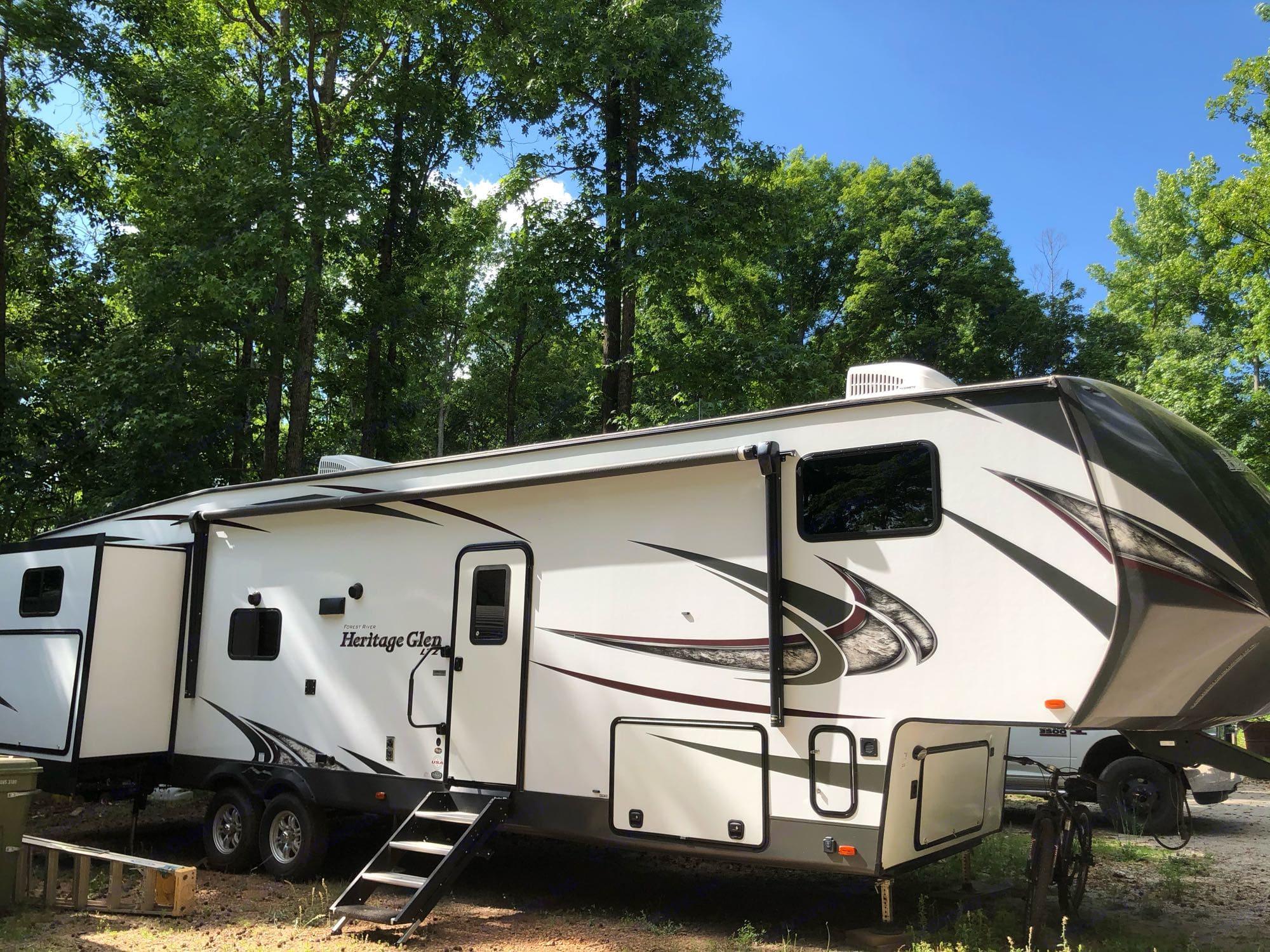 Forest River Heritage Glen Lite 2019