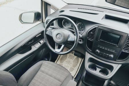 Mercedes-Benz metris 2021