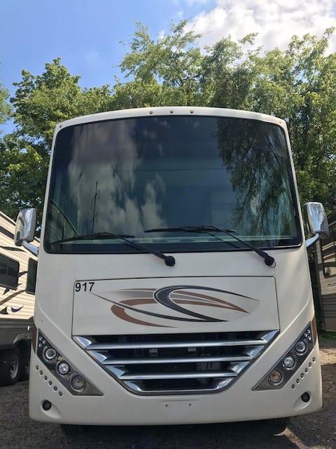 Thor Motor Coach Hurricane 2020