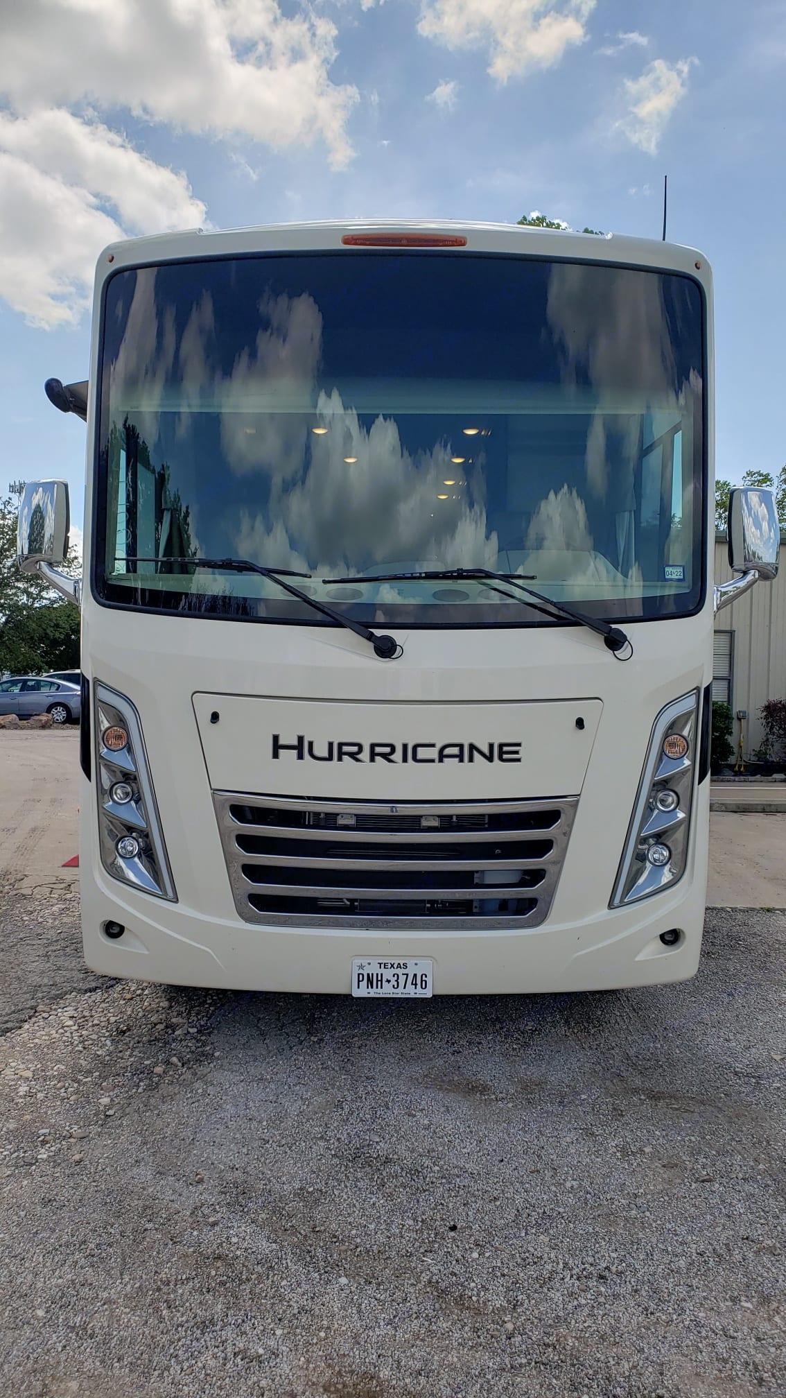 Thor Motor Coach Hurricane 2022