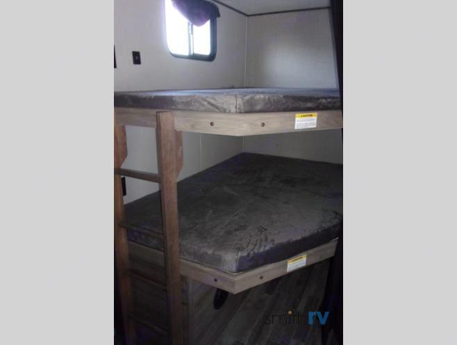 Twin bunks. Crossroads Zinger 2021