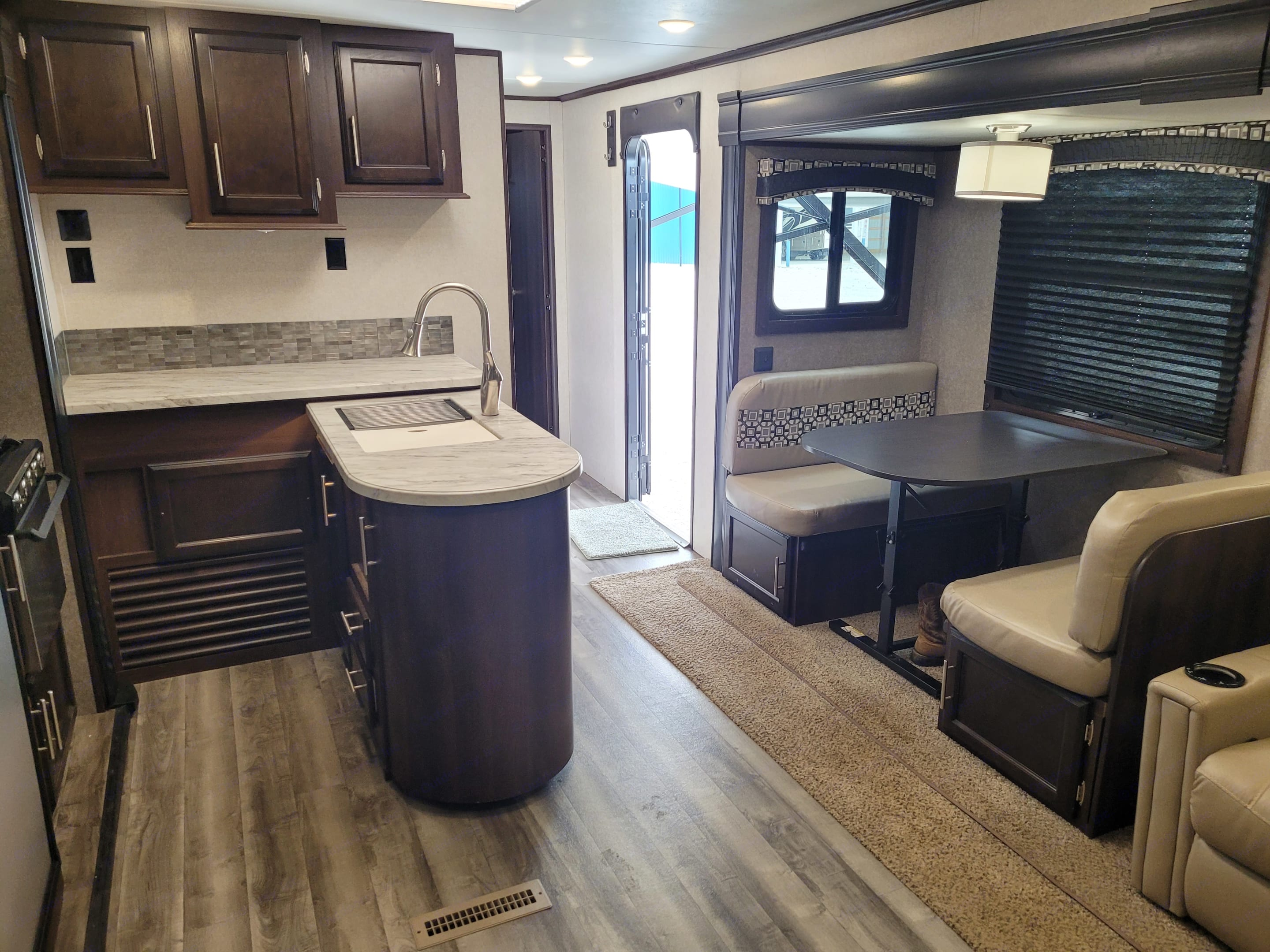Dinette converts to bed, gas range and oven, microwave, refrigerator. Jayco Jay Flight 2019