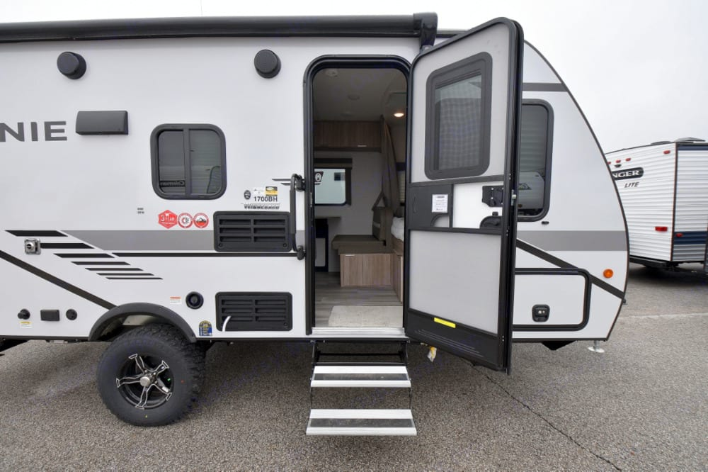 Welcome to our trailer!. Winnebago Micro Minnie 2021