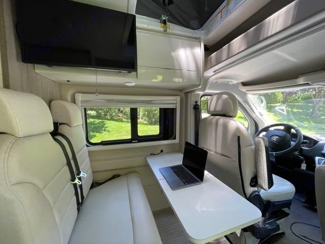 Front seats can swivel around. Thor Motor Coach Tellaro 2020