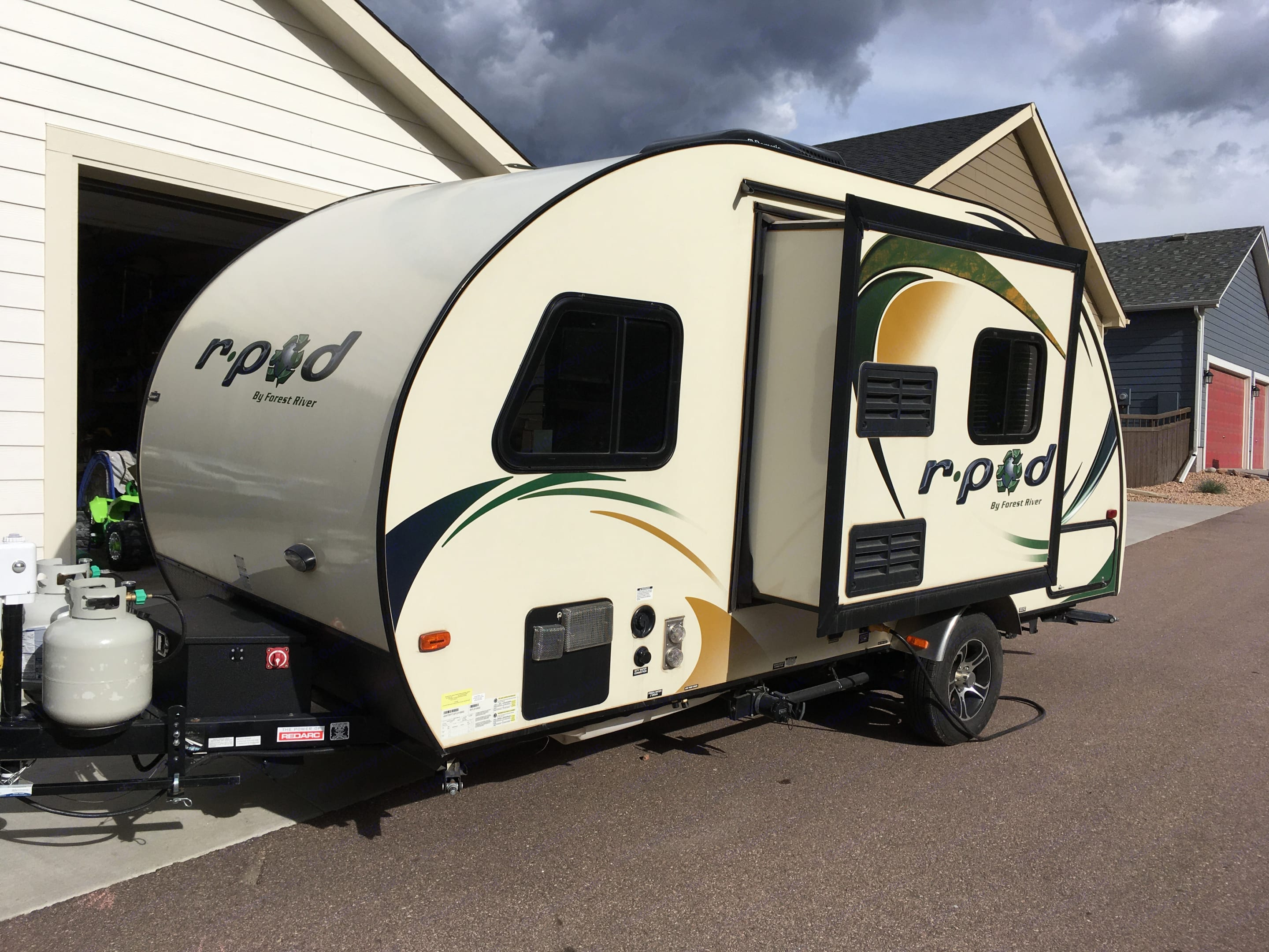 Kitchen slides out for additional room.  Two propane tanks.  . Forest River R-Pod 2015