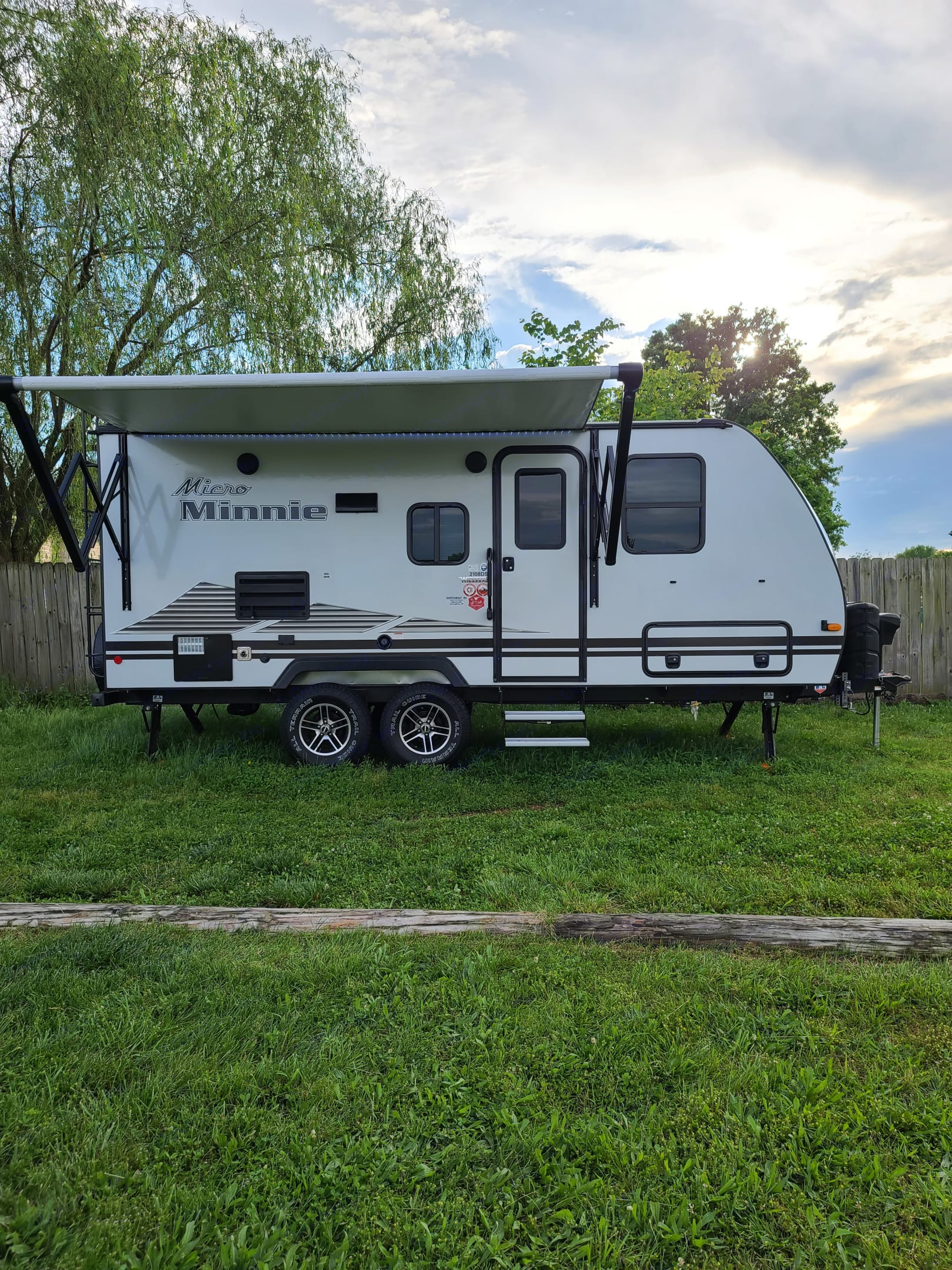12 foot awning with outdoor lights and bluetooth speaker . Winnebago Micro Minnie 2021