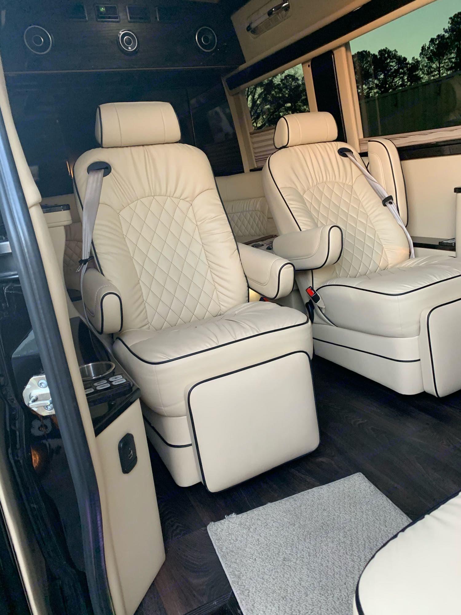 Midwest Automotive Designs limo 2020