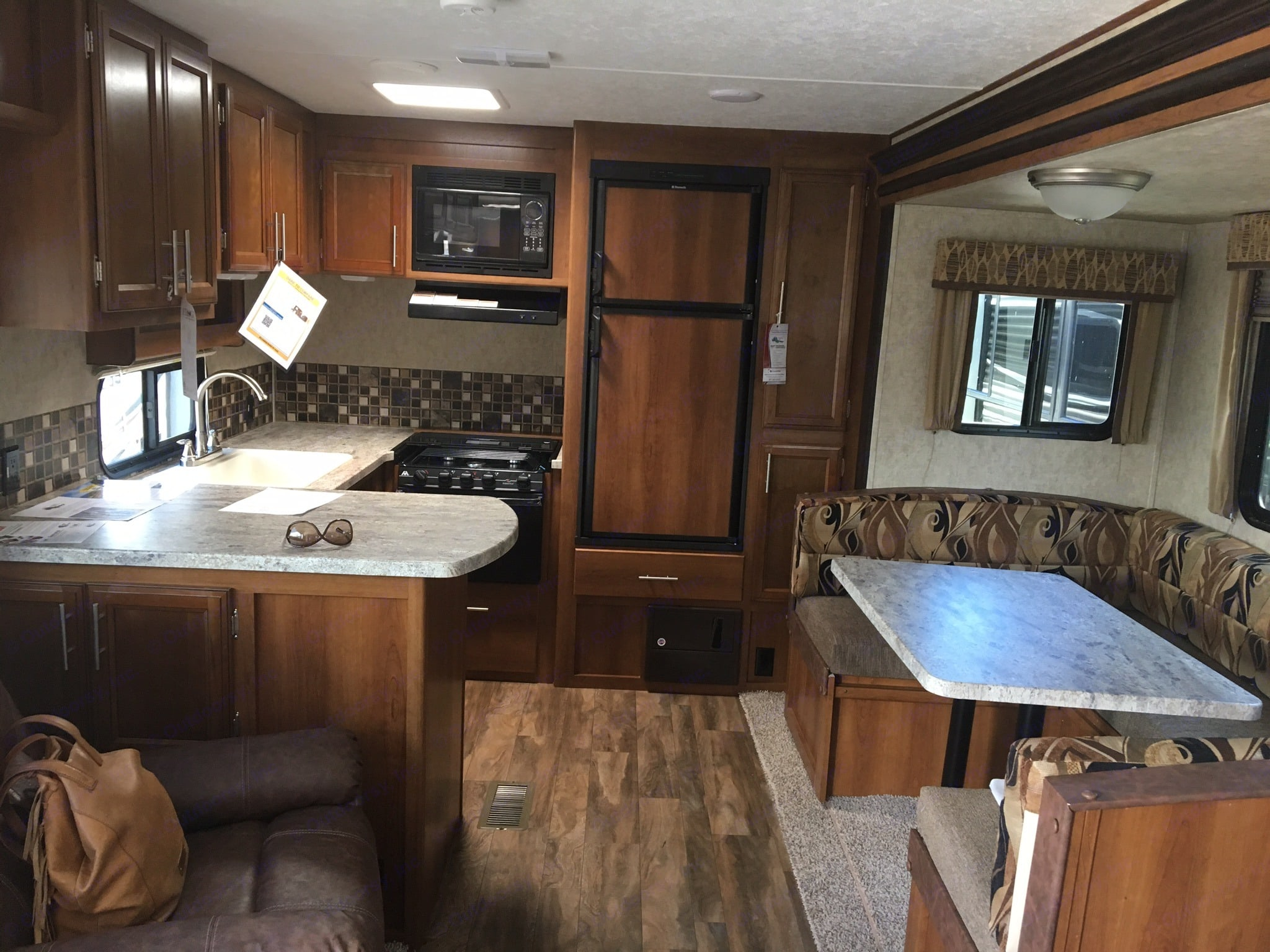 Spacious kitchen and large, u-shaped dinette. Prime Time Avenger 2017