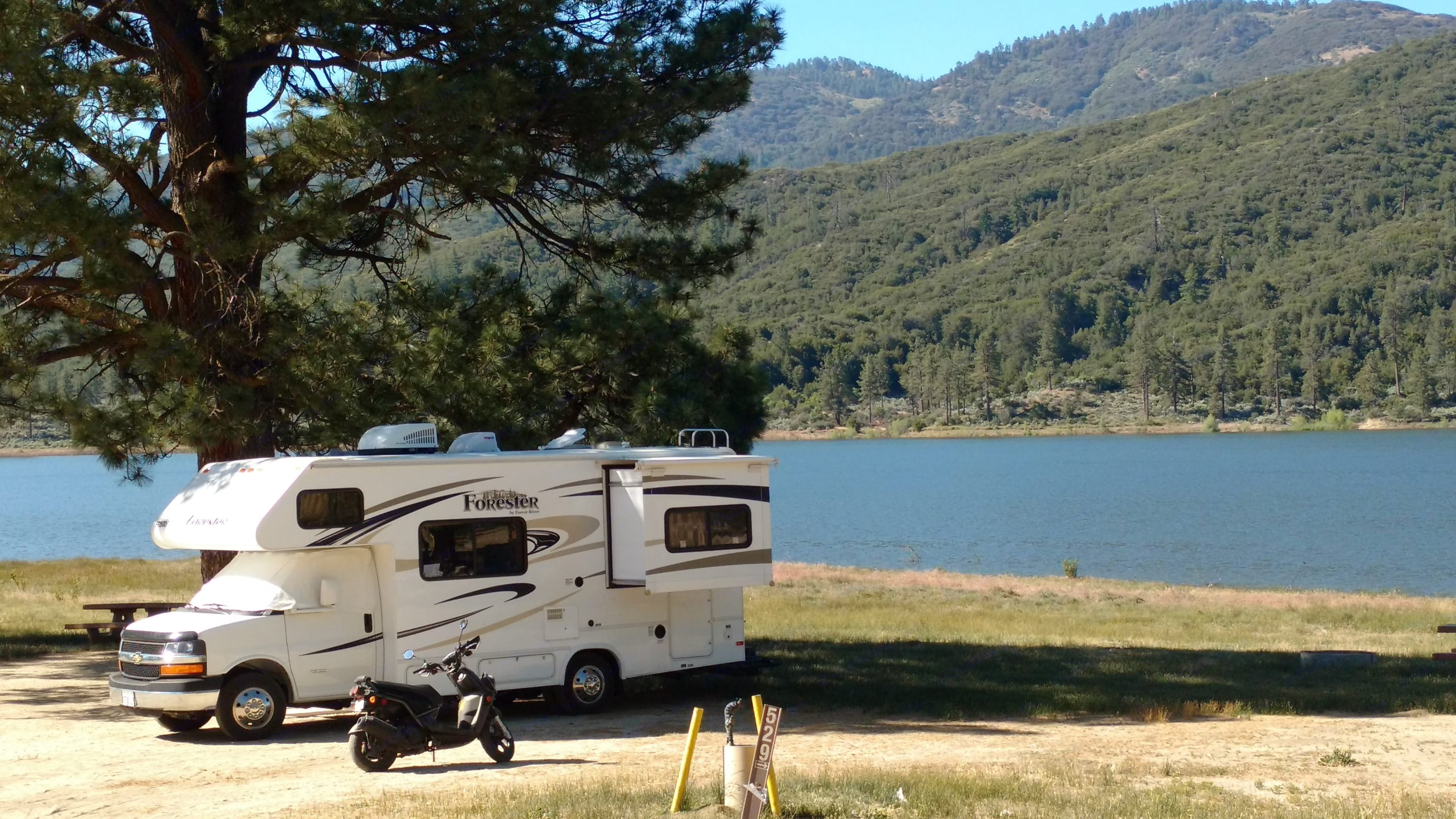 Camping with amazing views.. Forest River Forester 2015