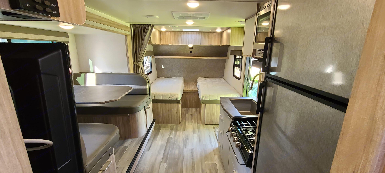 2 Twin Beds. Winnebago Micro Minnie 2021