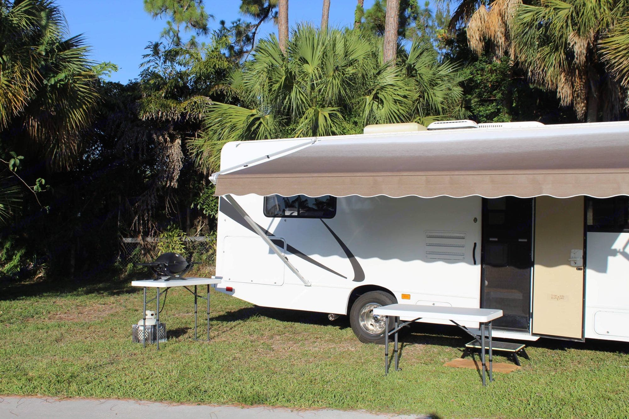 Tables and Bbq with propane are included. Thor Motor Coach Four Winds Majestic 2015