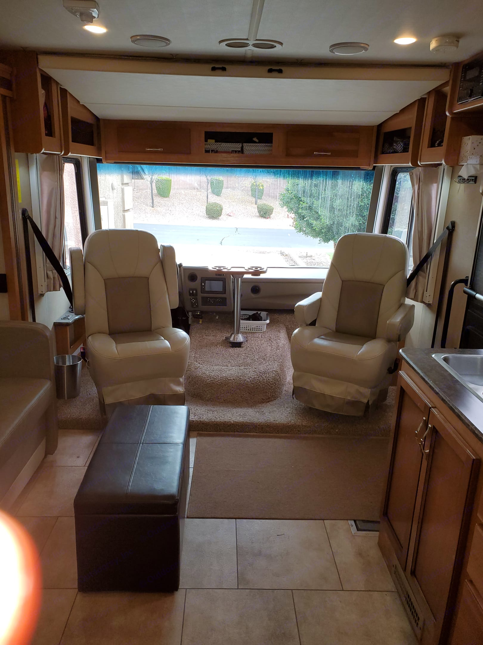 The Captains chairs swivel to give you extra living room seating once you arrive.. Fleetwood Flair 2016