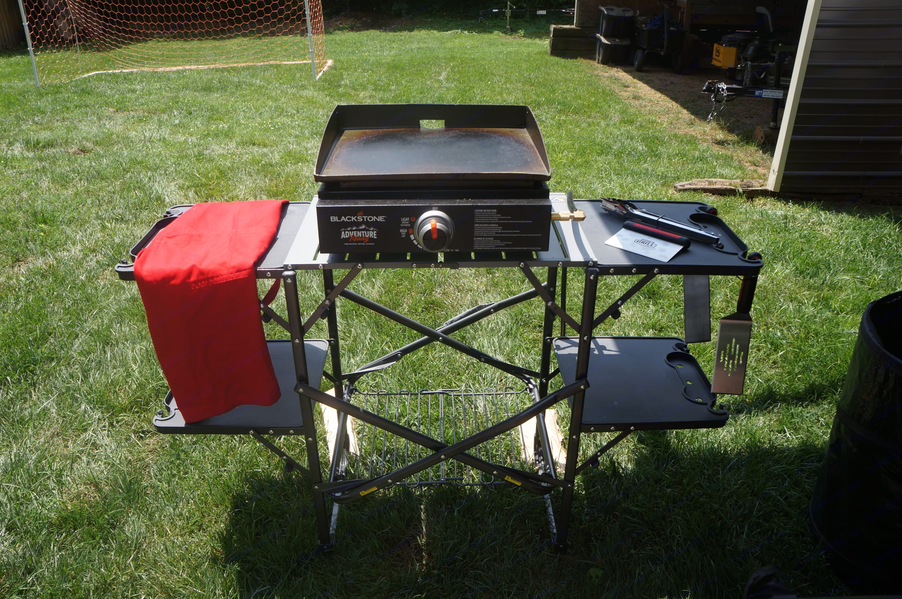 Griddle Hooks directly up to RV Propane, no need to bring gas!. Keystone Hideout 2019