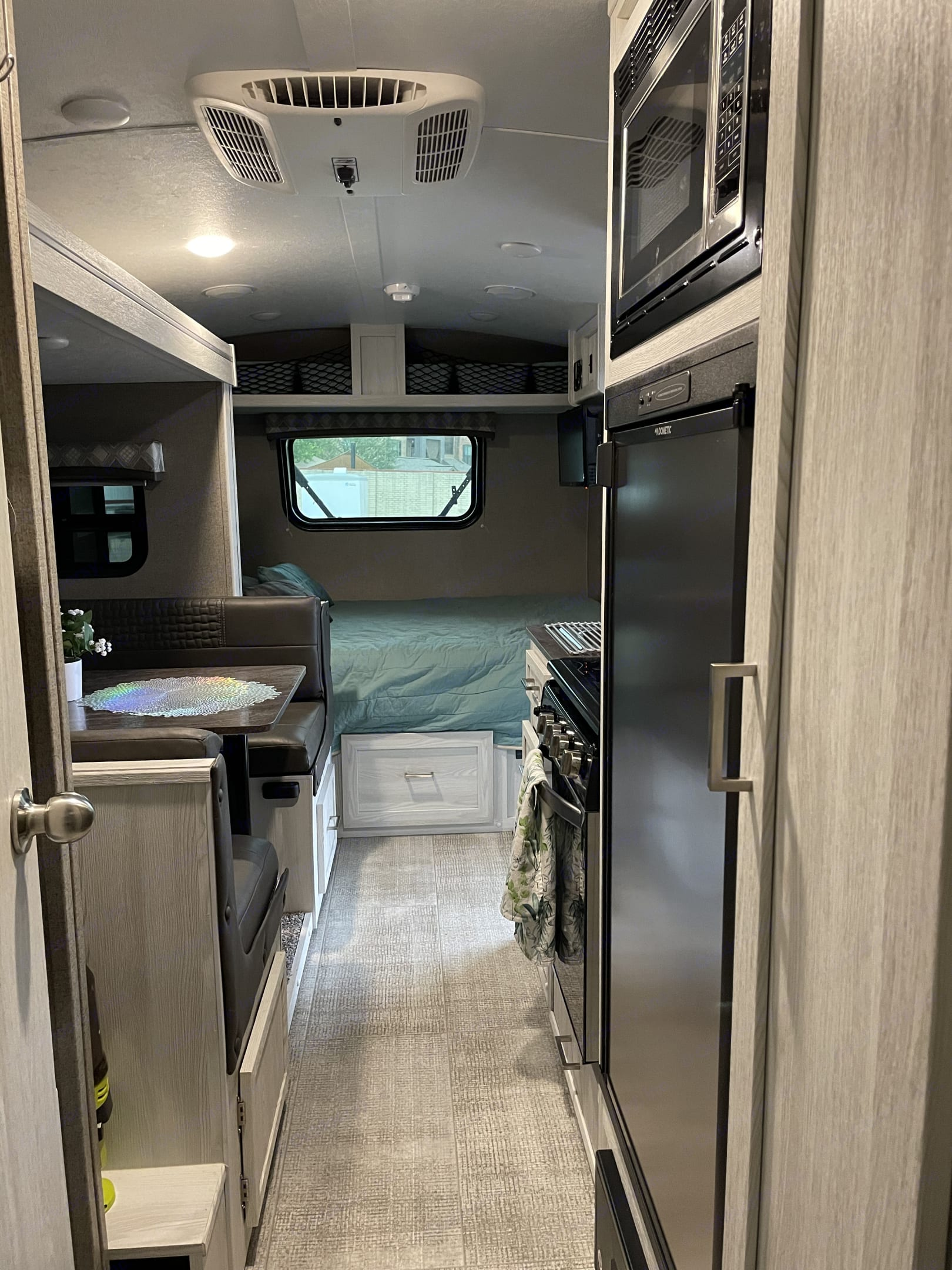 Note: Rv not extended all the way due to being in storage.  It opens up a lot more. . Flagstaff E-Pro 20 BHS 2021