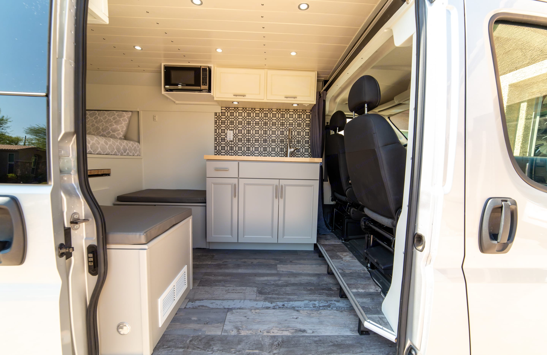 Dodge B Van 2020