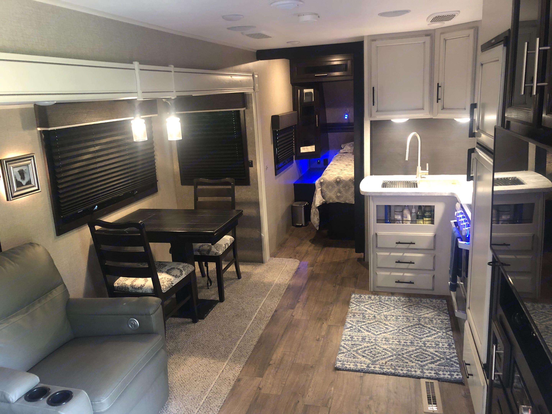 Living Area. Jayco EAGLE 2020