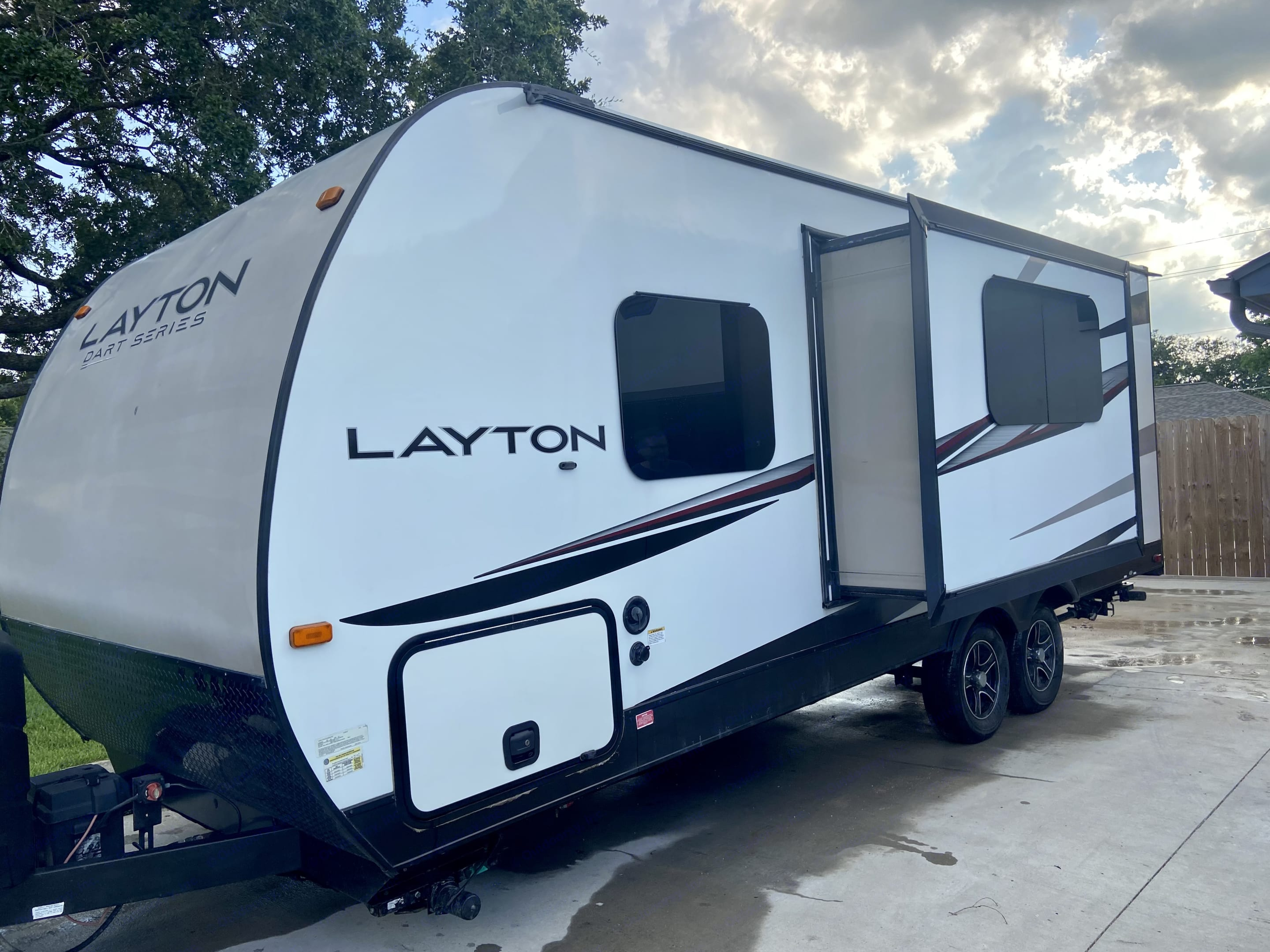 Back view with slide out. Skyline Layton 2015