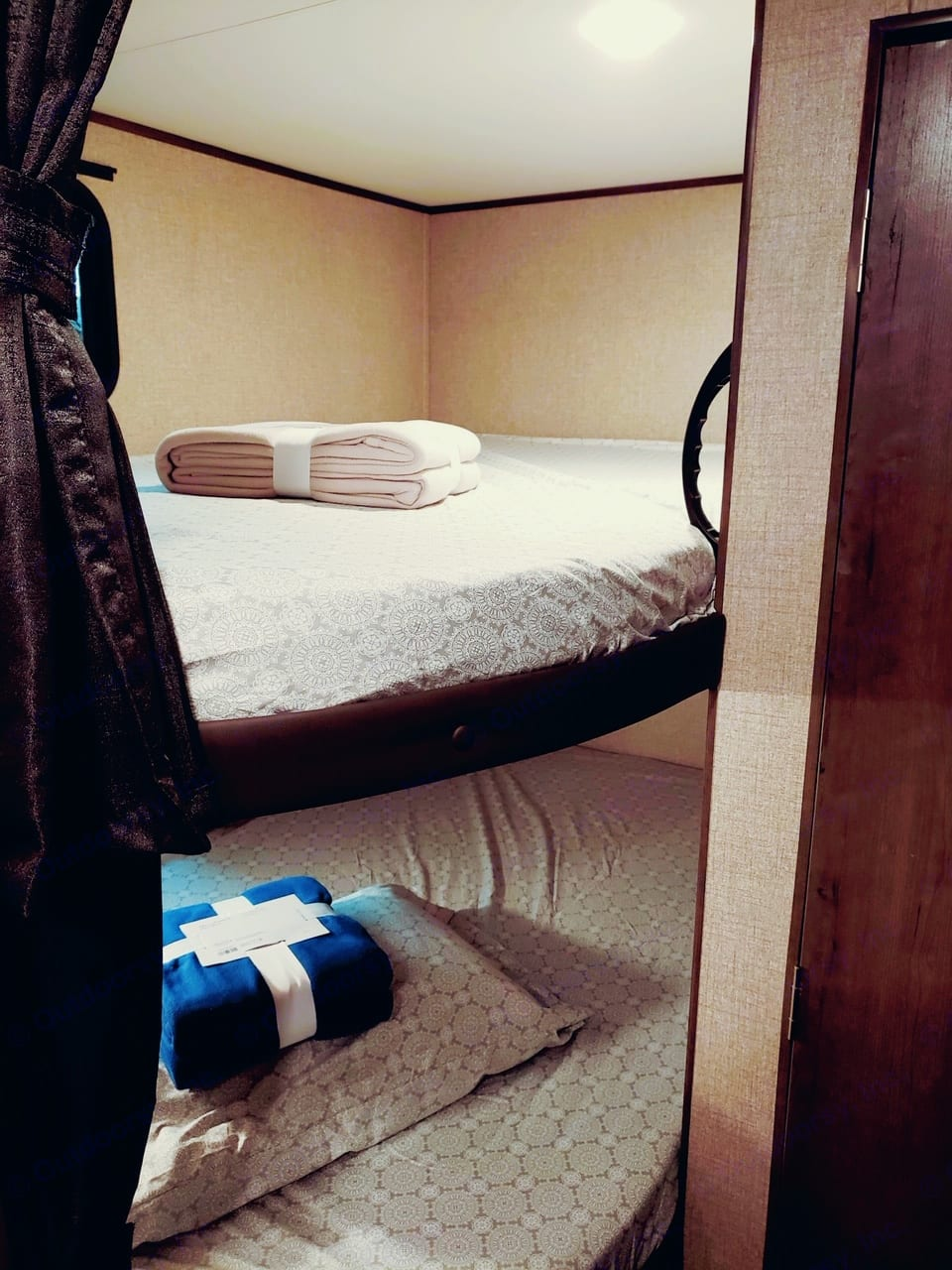 Extremely comfortable bunk beds equipped with USB ports & electrical outlet.. Jayco Flight 264BH 2021