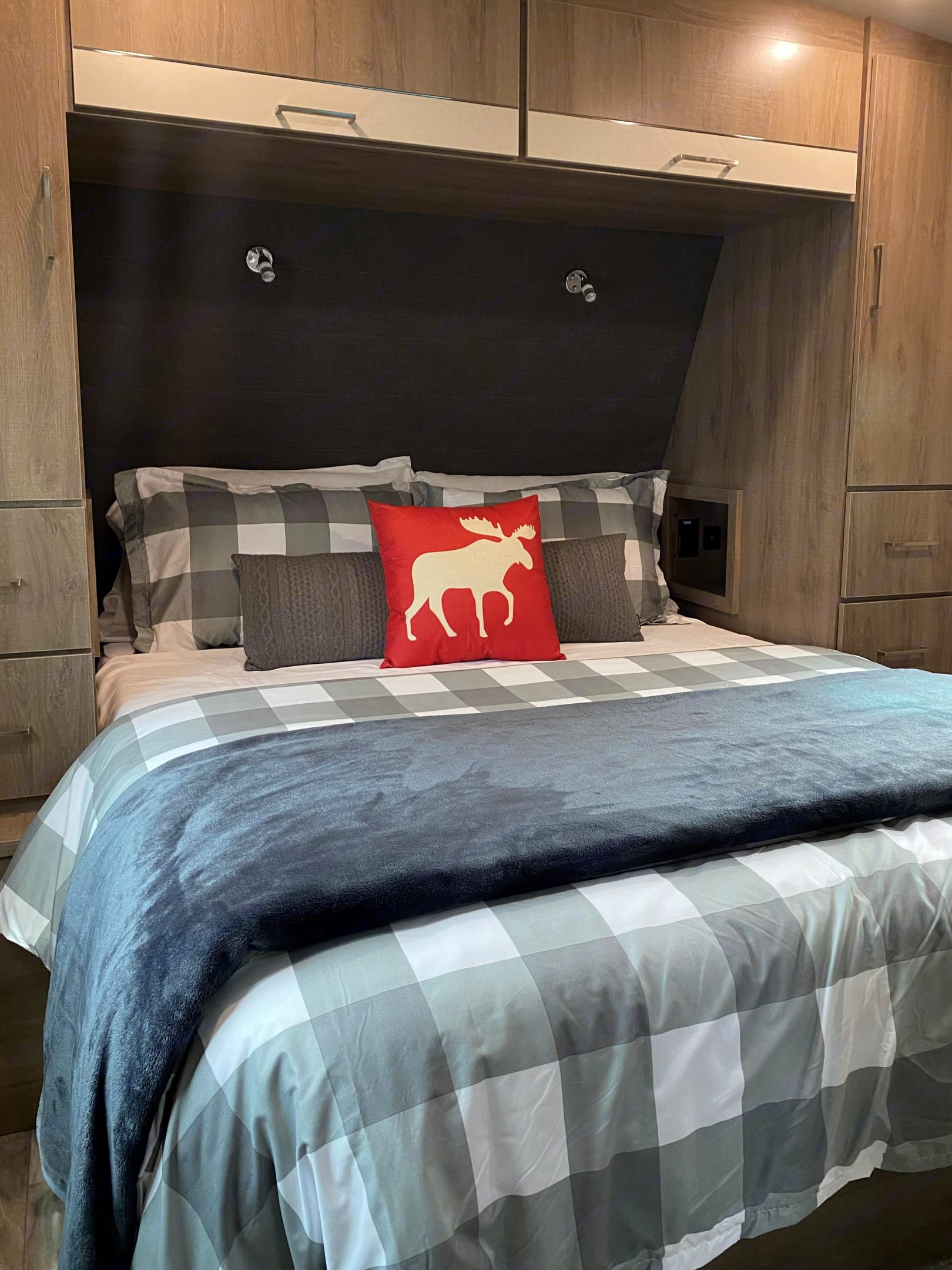 Master bedroom with upgraded memory foam Serta queen mattress for an incredible nights sleep and full linens (Gallatin/Madison River Pkgs).. Grand Design Imagine 2400BH 2021