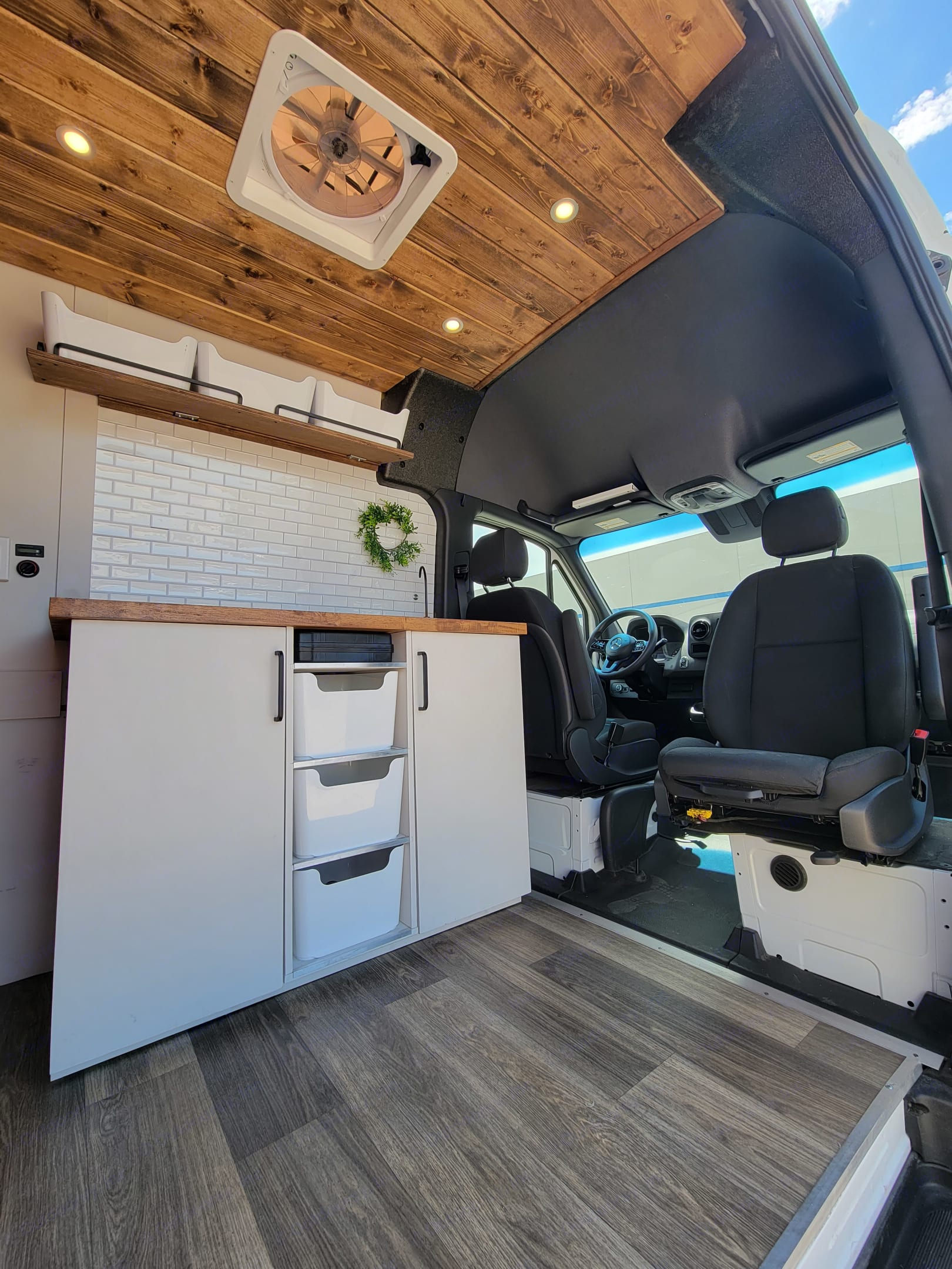 Swivel seat and built-in heater. Mercedes-Benz Sprinter 2020