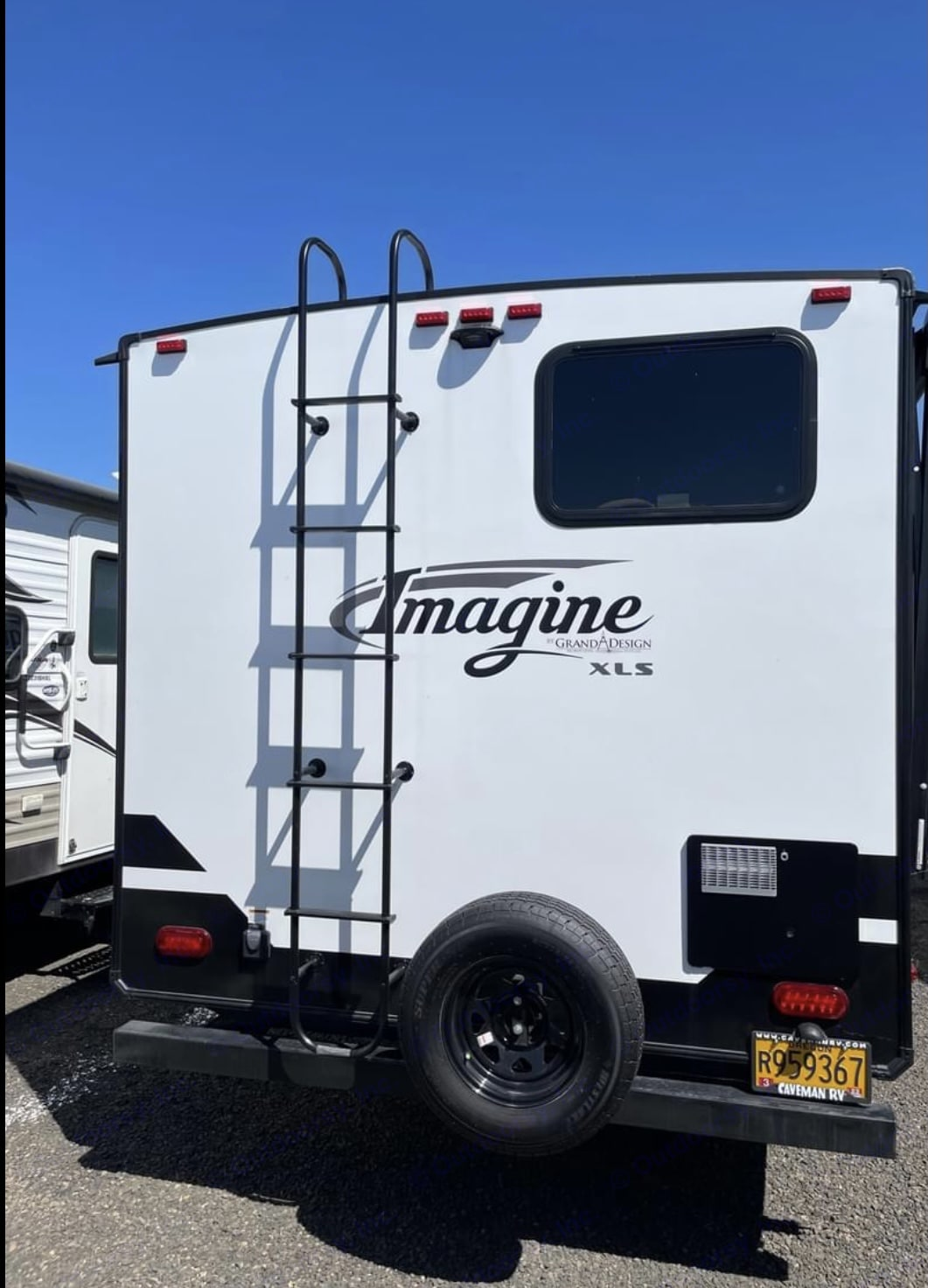 Back of the trailer . Grand Design 21BHE 2021