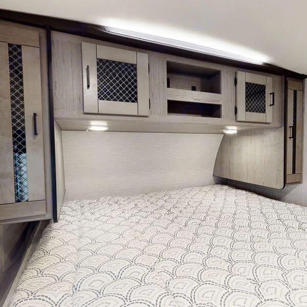 King Size Bed and Lots of Storage . Heartland M27 2021