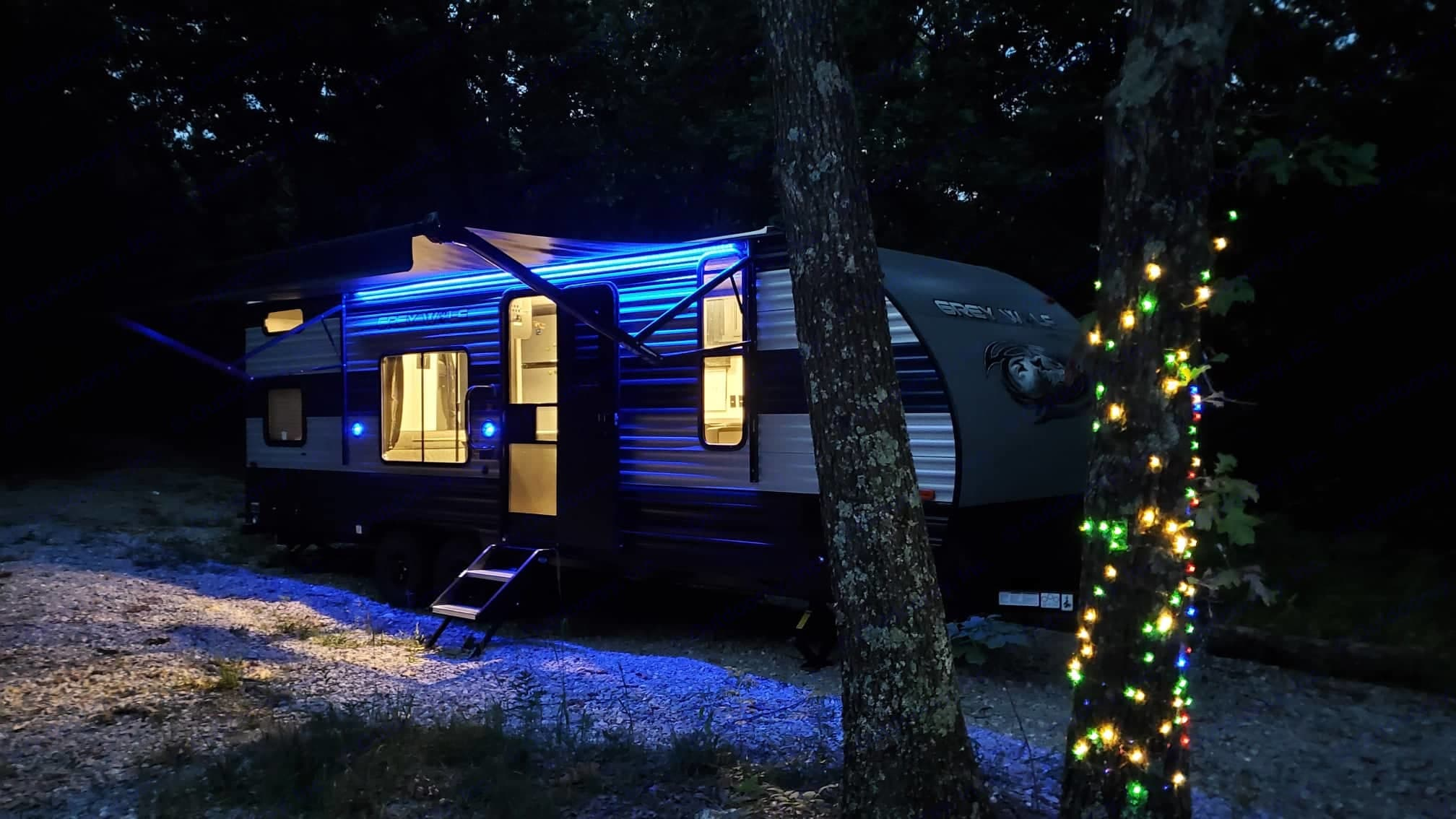 Awning lights . Forest River Cherokee Grey Wolf 2021