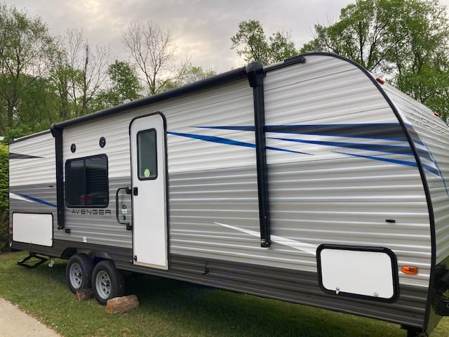 13' electric awning. Forest River Avenger 2021