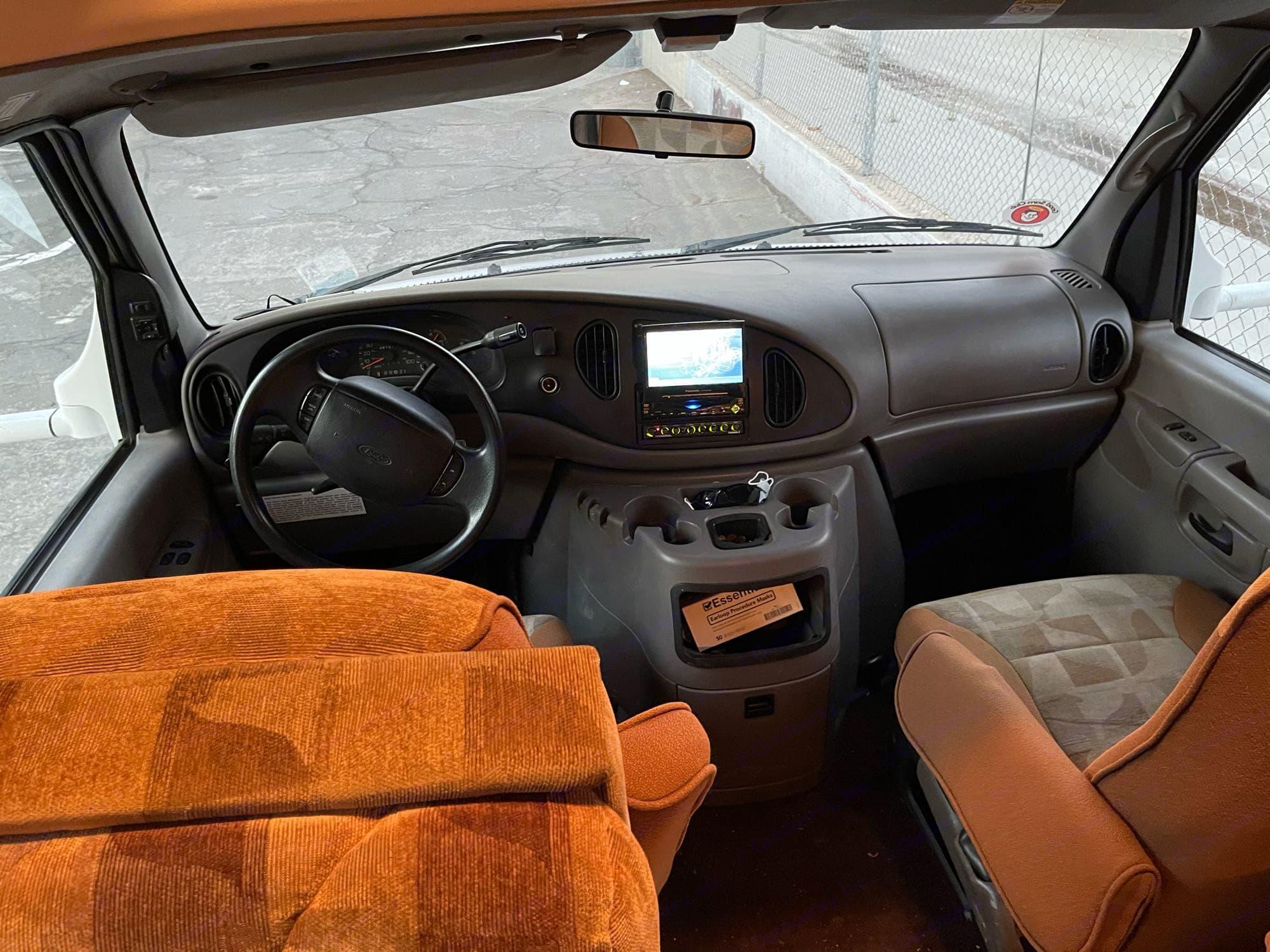 Ford E450 2002