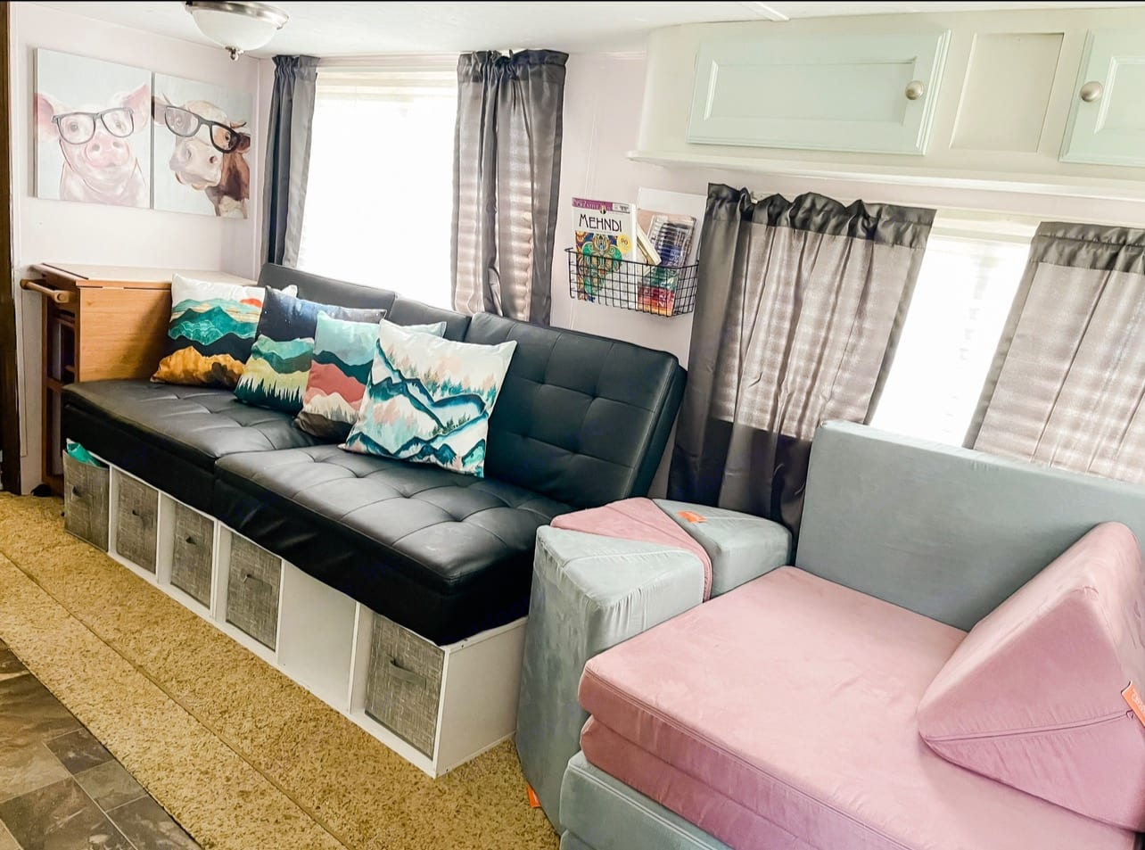 colors of couches may change based on season and dates. We have multiple covers to make changes easy.. Venture Rv Sporttrek 2015