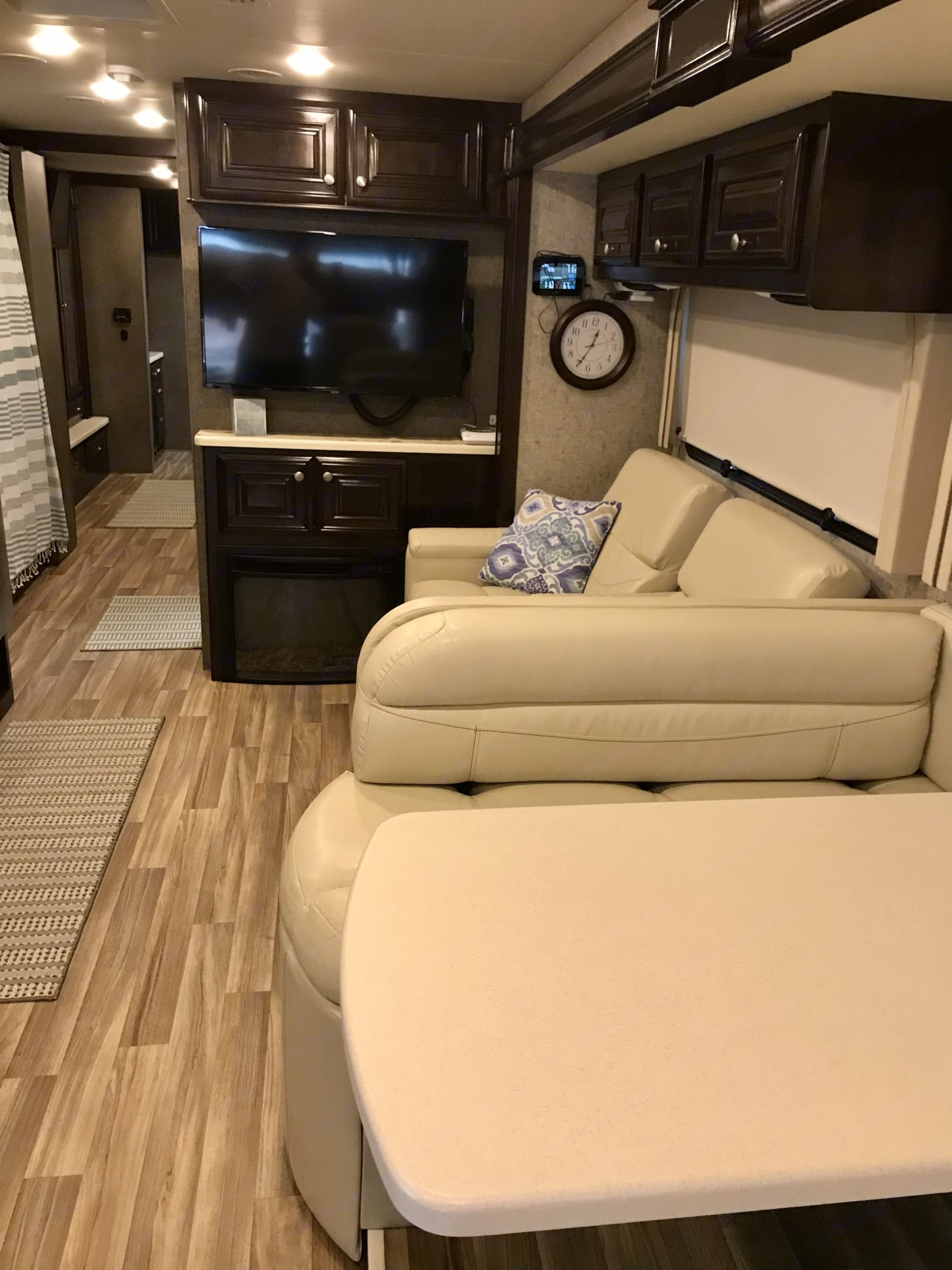 Additional view of this space.. Thor Motor Coach Miramar 2017