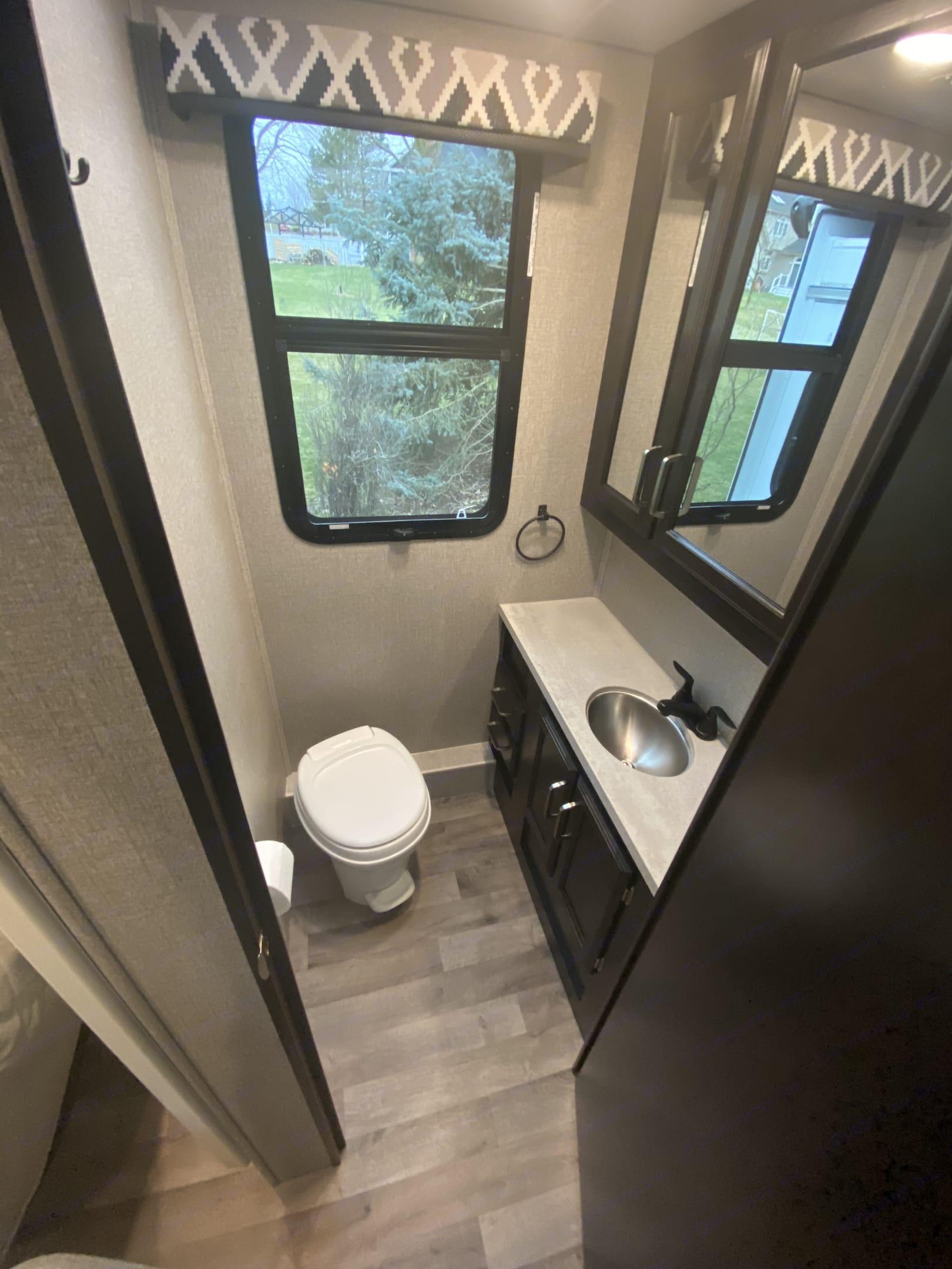 Greyhawk Bathroom. Jayco Greyhawk 2021