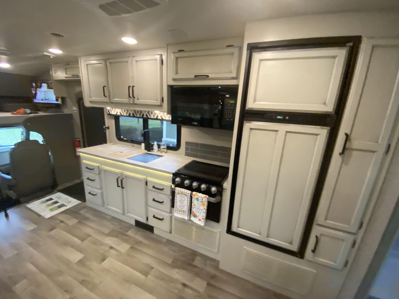 Greyhawk Kitchen. Jayco Greyhawk 2021