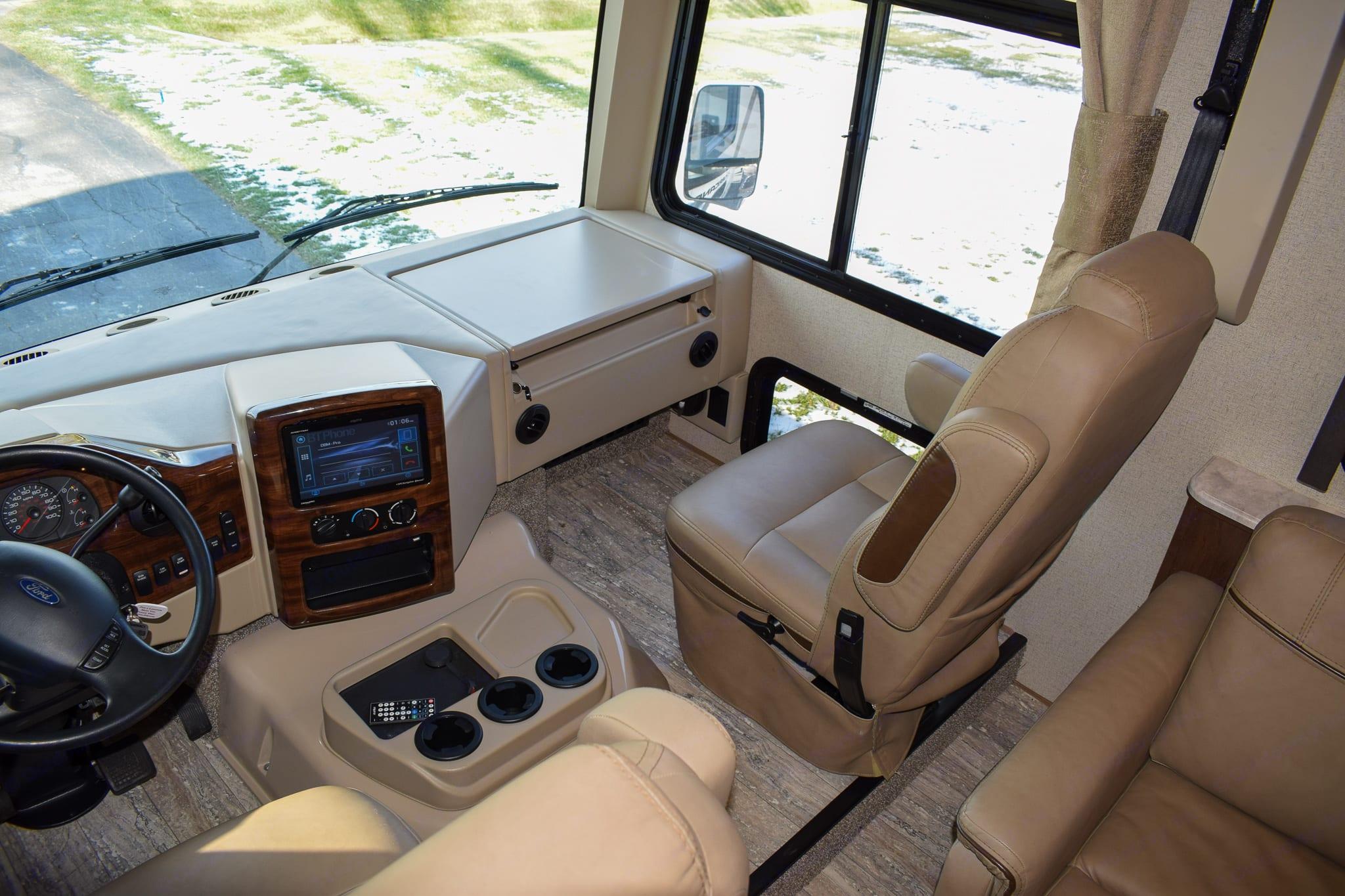 Hurricane Passenger Seat. Thor Motor Coach Hurricane 2019