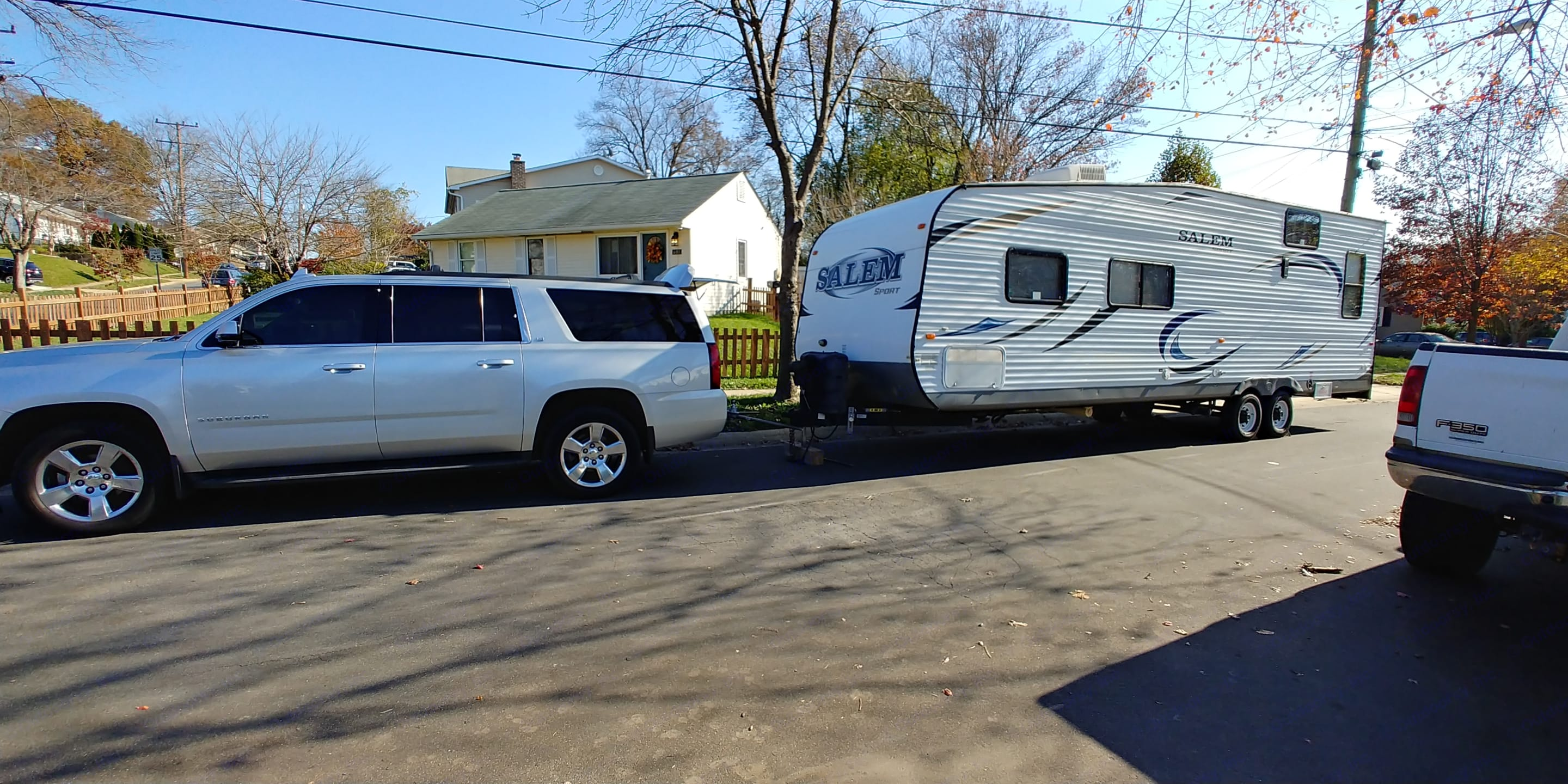 Towing with Suburban. Forest River Salem 2014