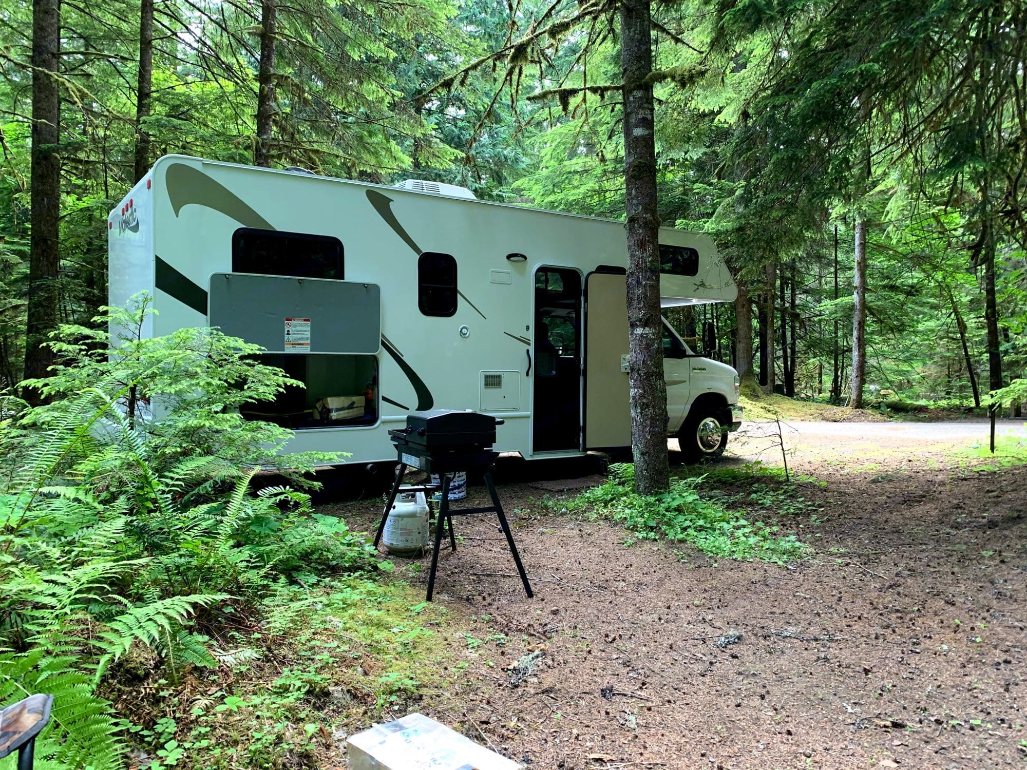 Cougar Rock Campground. Thor Motor Coach Majestic 2015
