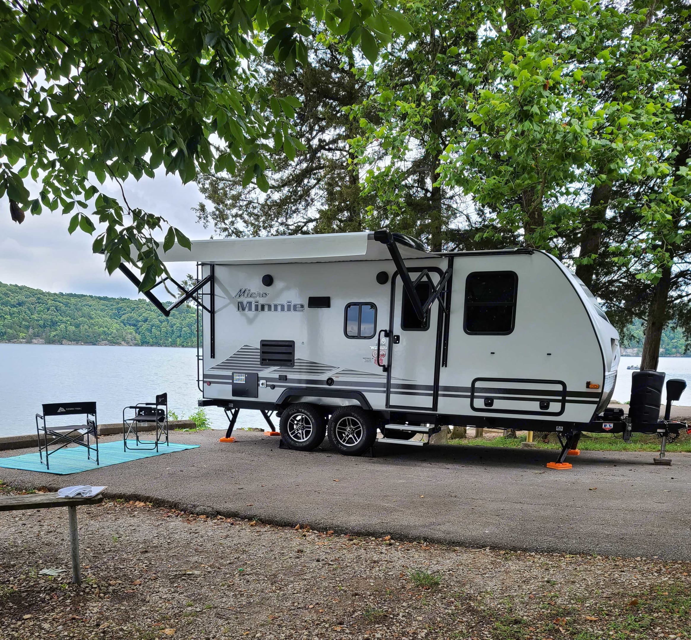 Here's a picture of a recent delivery/setup we did at Horseshoe Bend. Winnebago Micro Minnie 2021