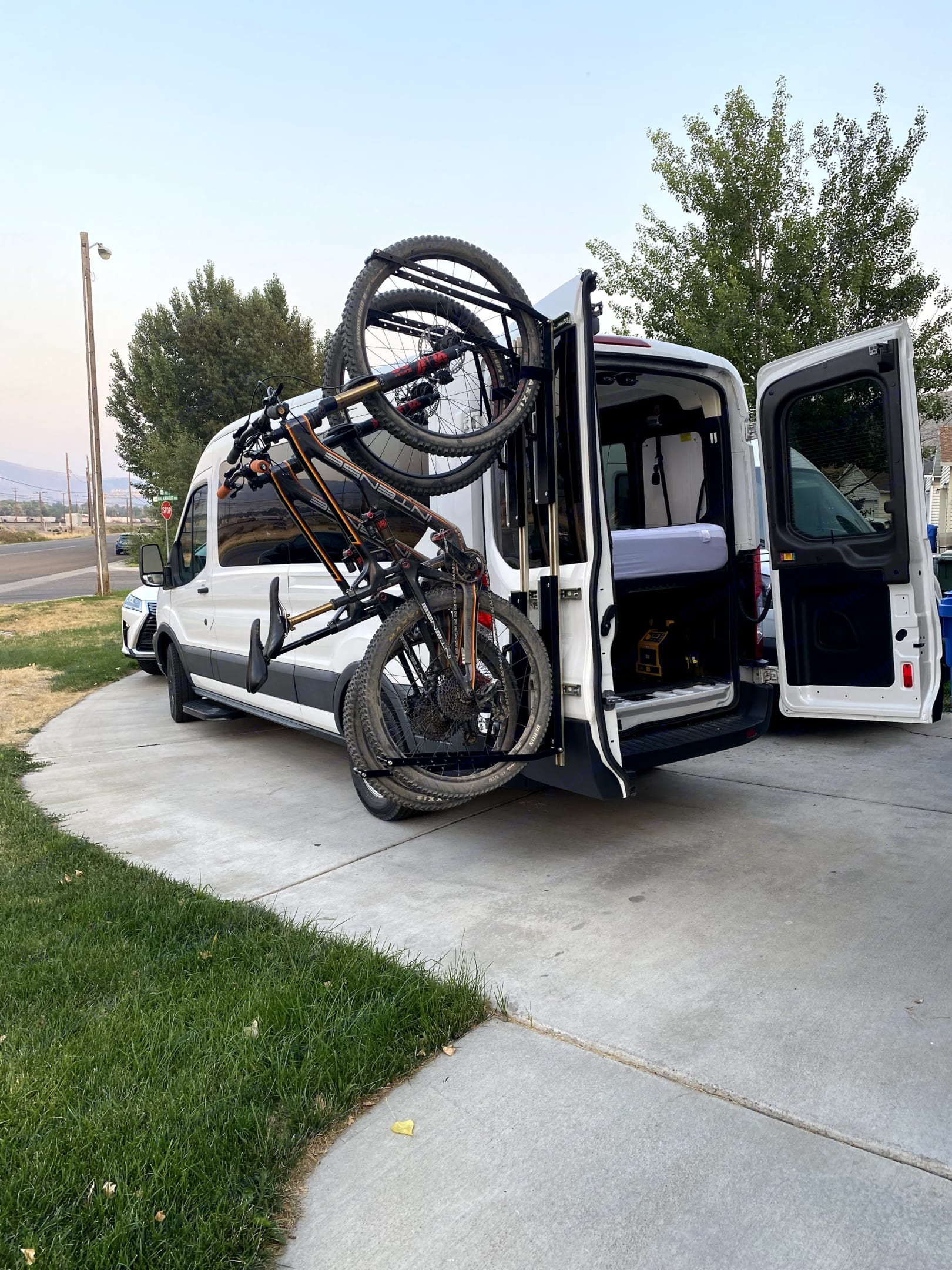 1 up bike rack for 2 bikes swings with the door. Ford Transit 2016