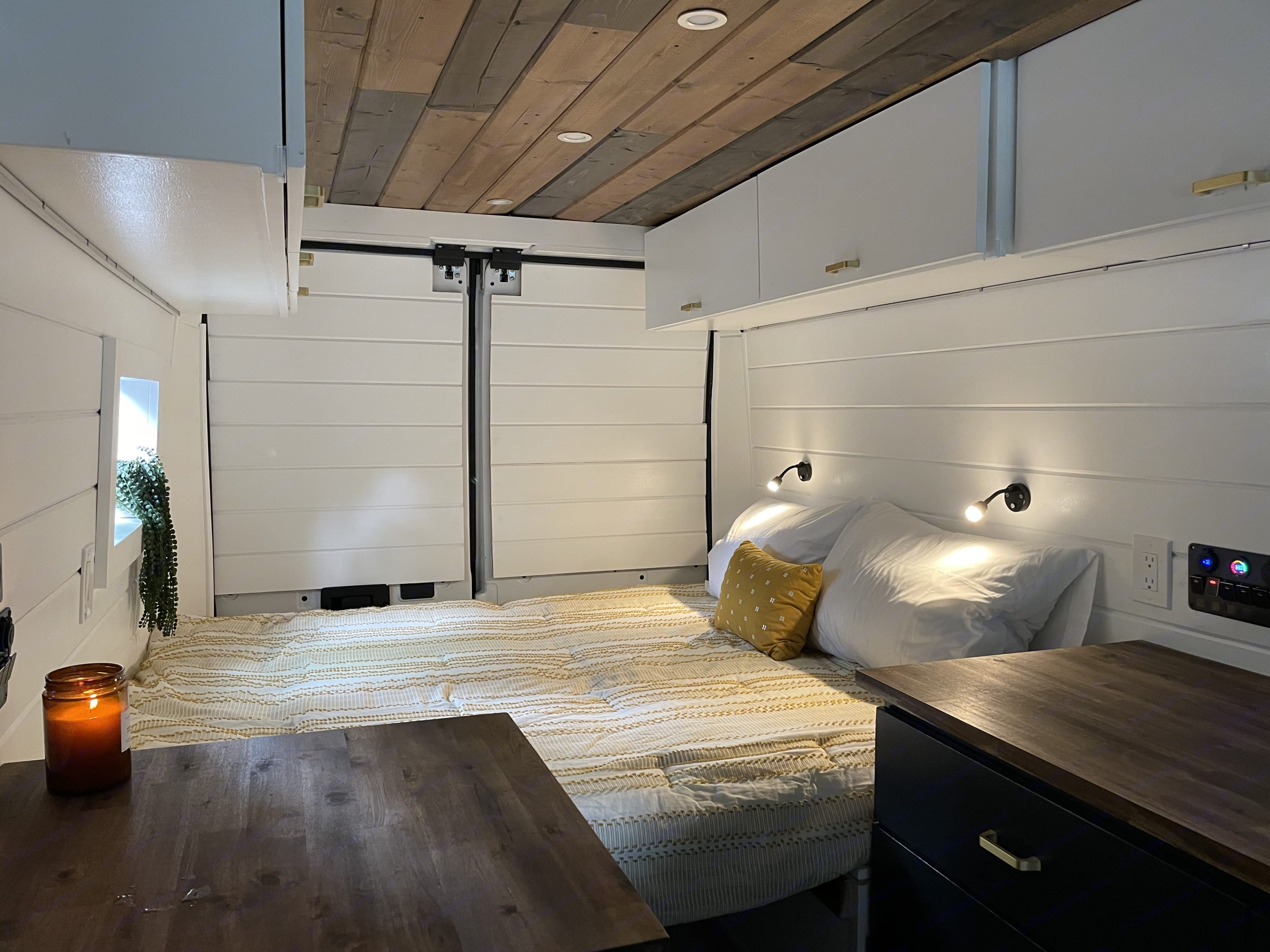 Bedroom setting with his/hers reading lights. Dodge Promaster 2021