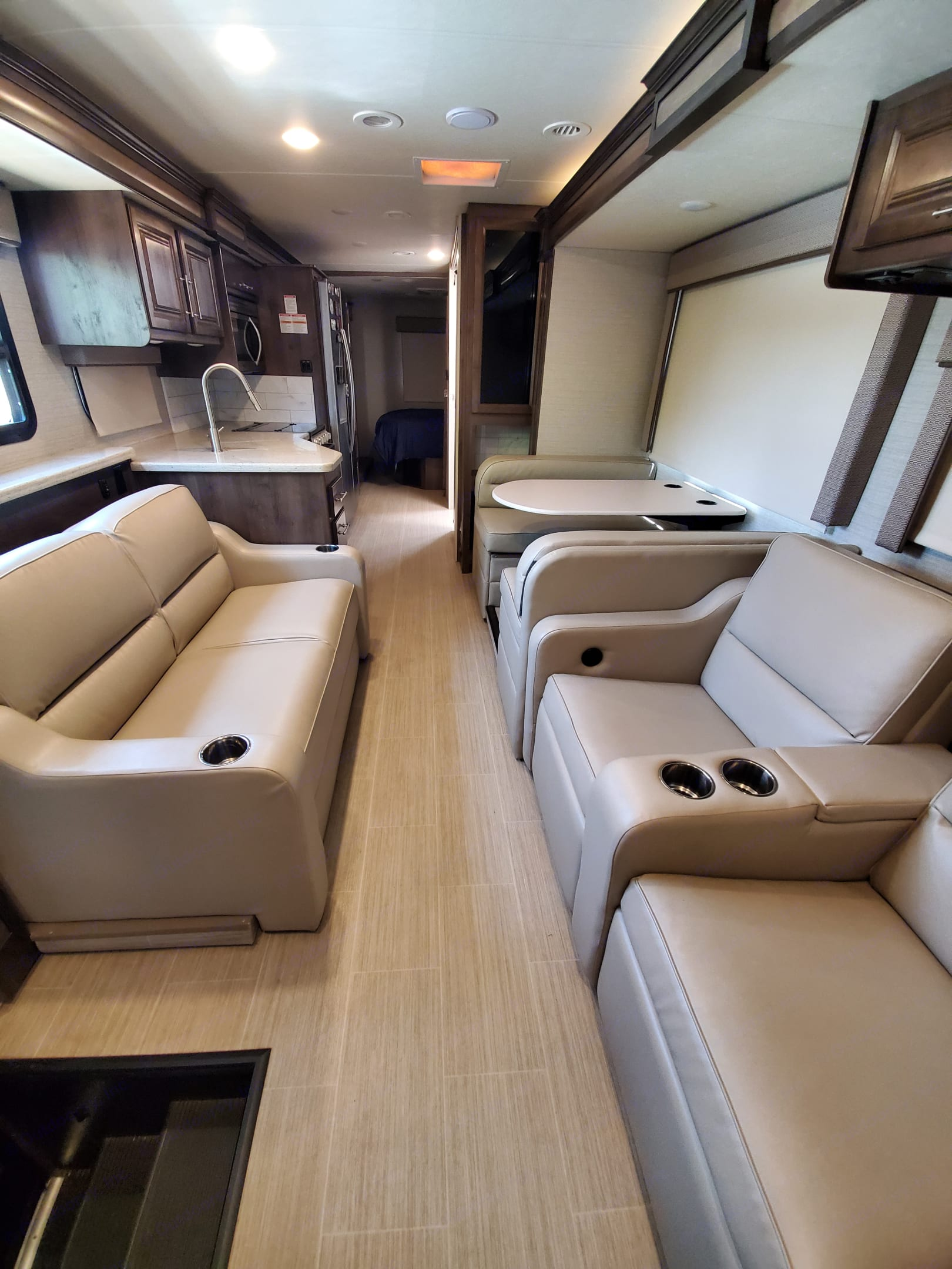 Plenty of seating for the family. Entegra Coach Vision XL 2020