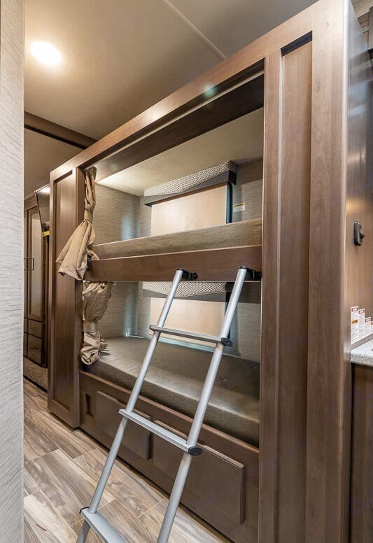 2 Bunk: each Bunk has Individualized Tv's with LED light and Privacy Curtain . Thor Motor Coach Four Winds 2022