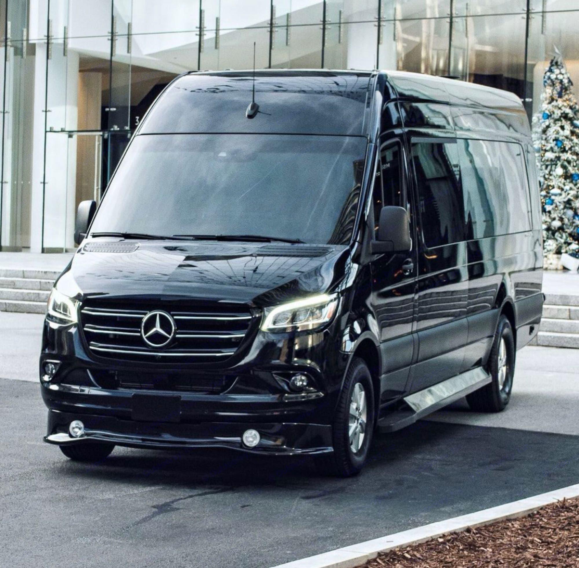Mercedes-Benz Custom Coach 2020